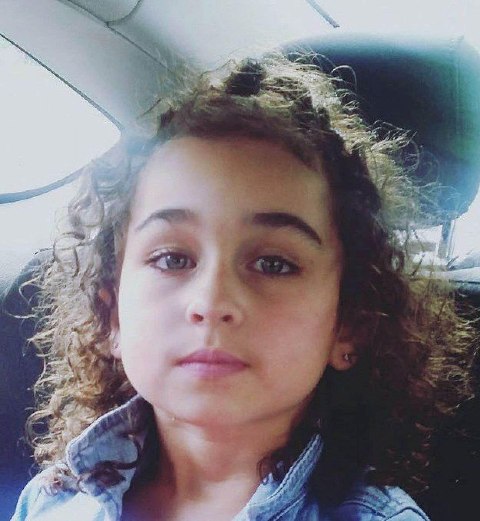 La jeune Taliyah Leigh Marsman est portée disparue depuis que le corps de sa mère a été retrouvé à leur domicile. Elle a les yeux bleus et les cheveux bouclés.