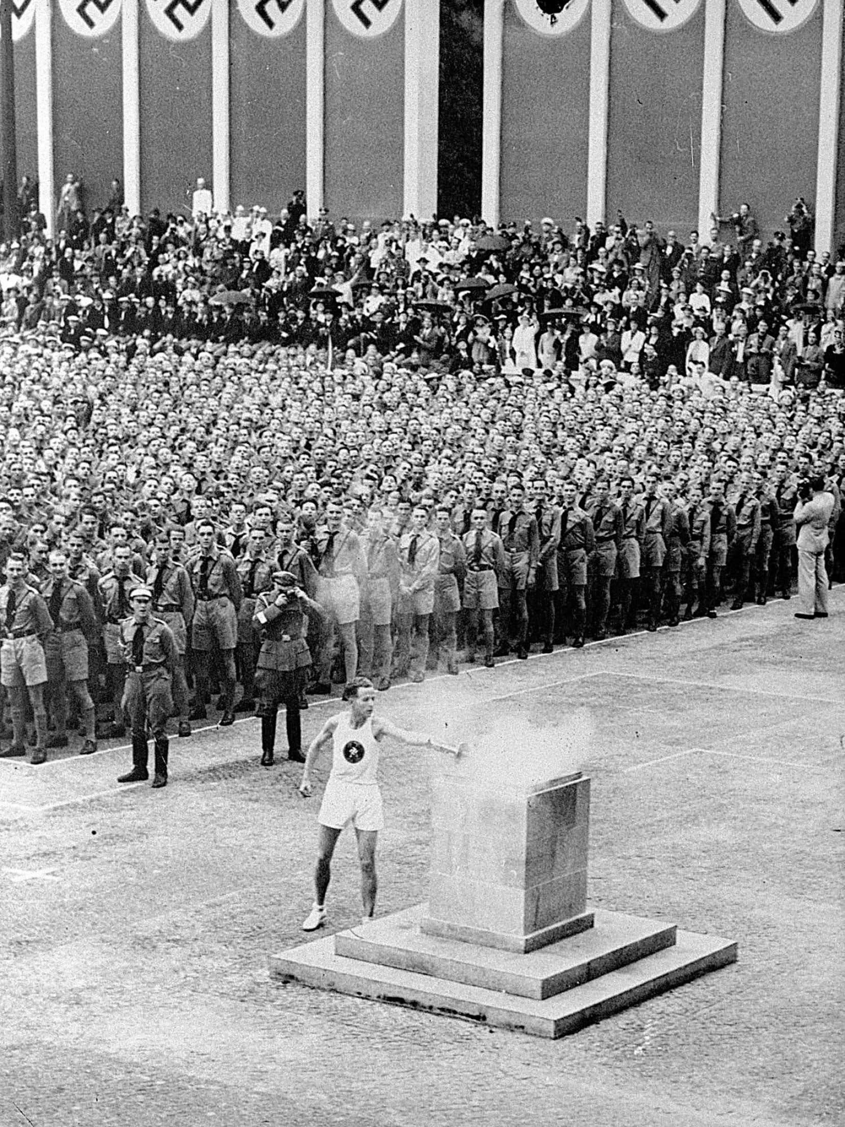 Hitler, qui ne s'intéressait pas aux Jeux olympiques au départ, a rapidement compris quel parti il pouvait en tirer.