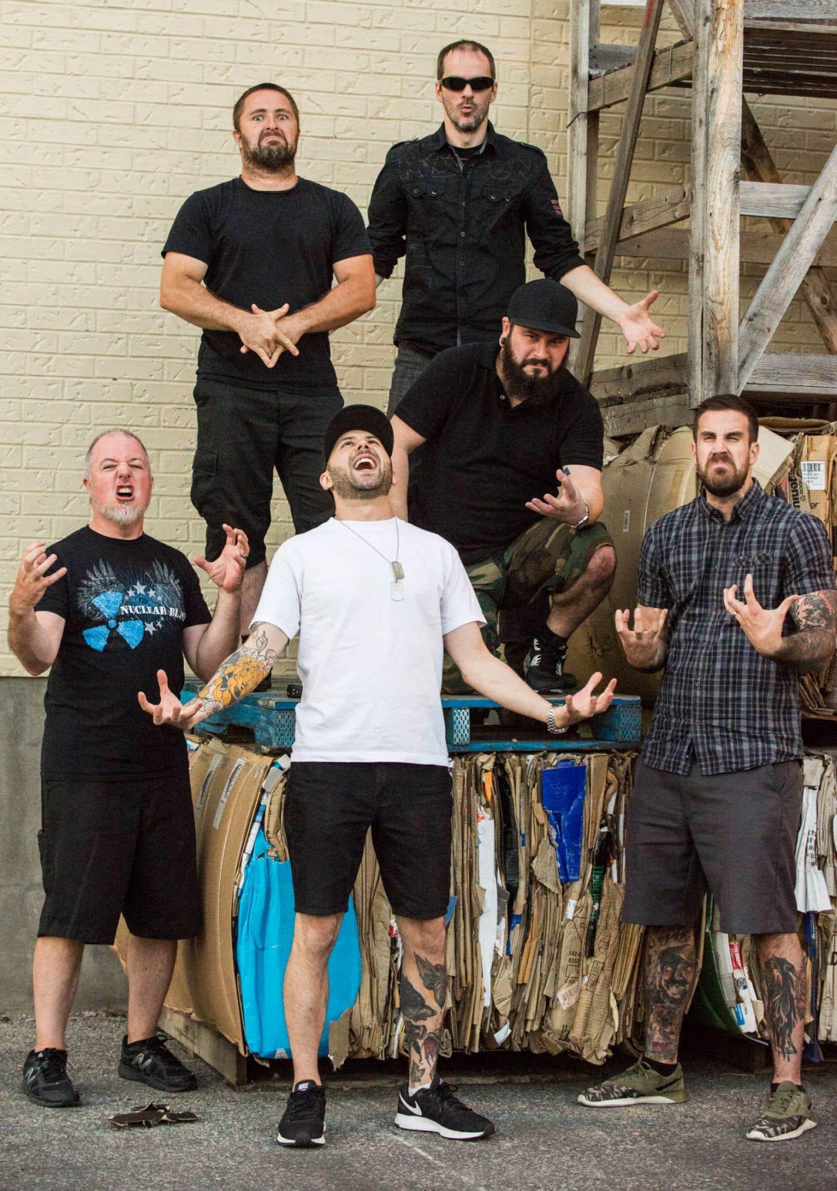 Le groupe montréalais Despised Icon s'est illustré grâce à son croisement de death métal et de hardcore.