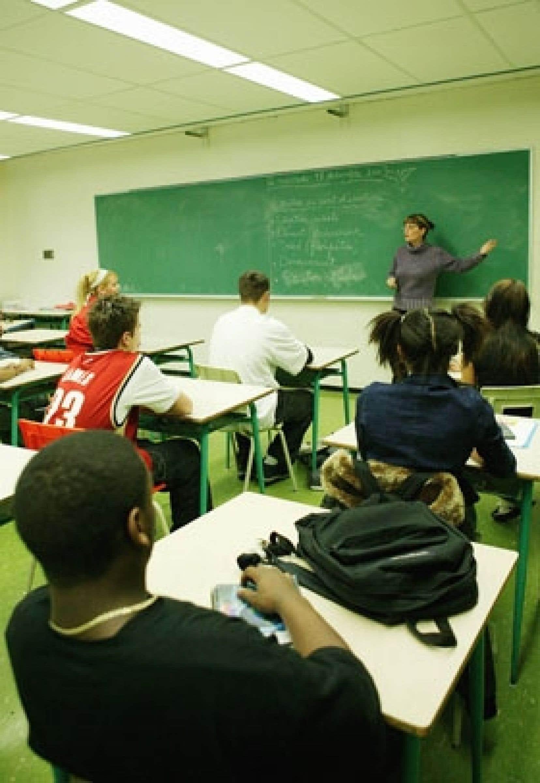 Pour la Fédération autonome de l'enseignement, des correctifs doivent être apportés au système d'enseignement,  parmi lesquels figurent le retour à la pleine autonomie des enseignants dans les approches pédagogiques et la révision du programm
