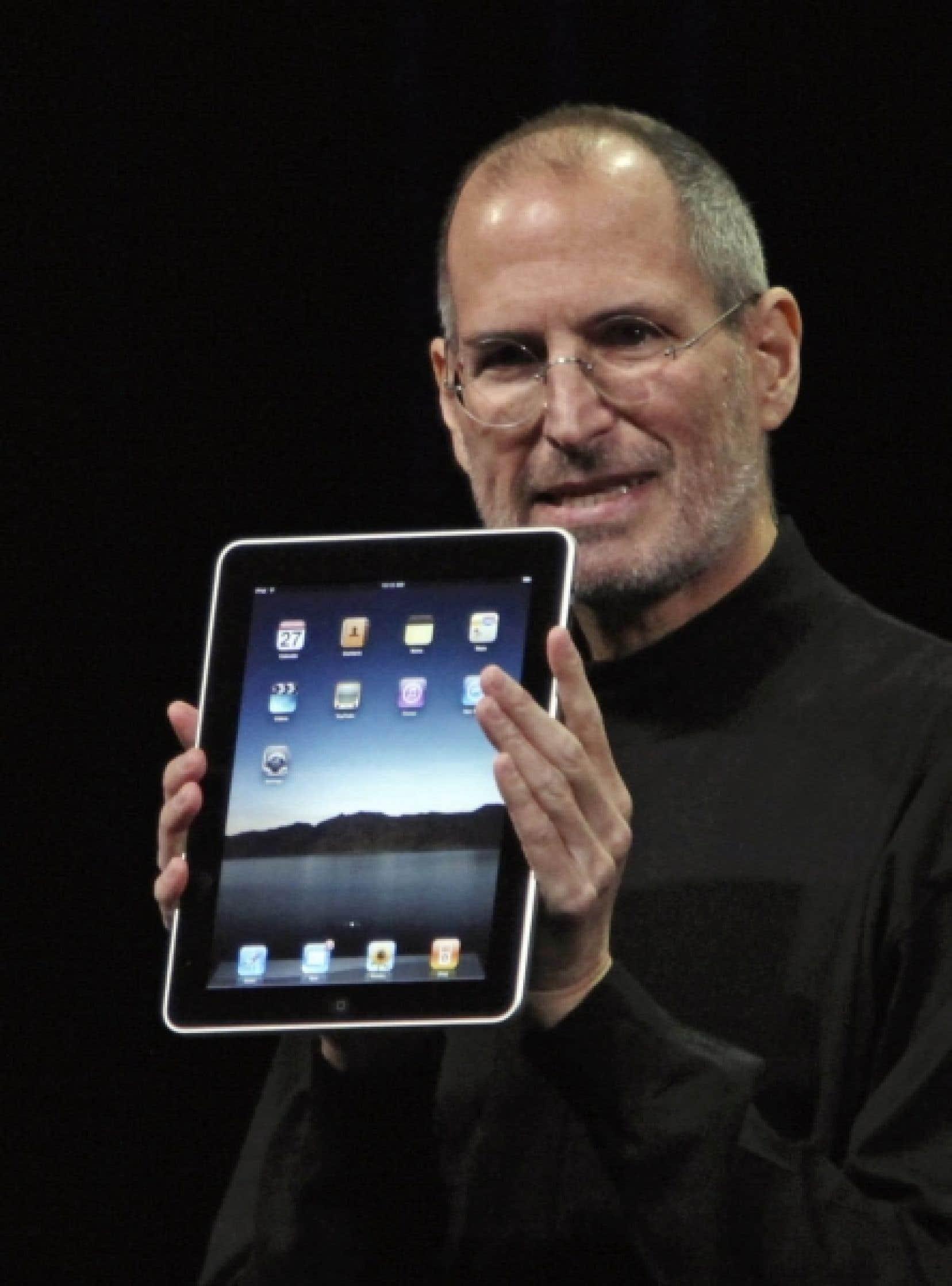 Fidèle à son habitude, Steve Jobs  est monté seul sur une scène épurée hier.