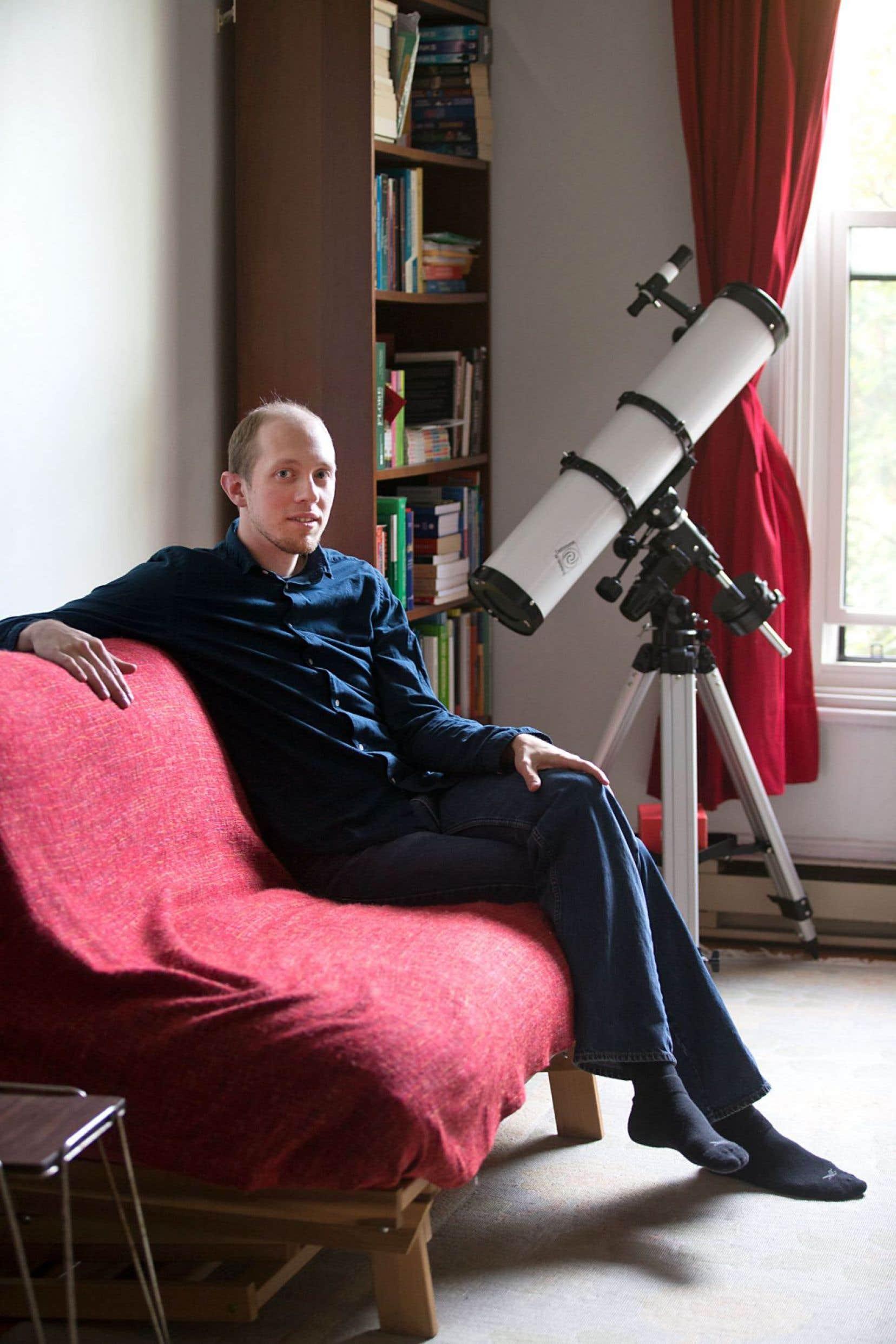 Entre candeur et mélancolie, science et mouvement, l'auteur Jonathan Ruel semble avoir trouvé une voix bien à lui.