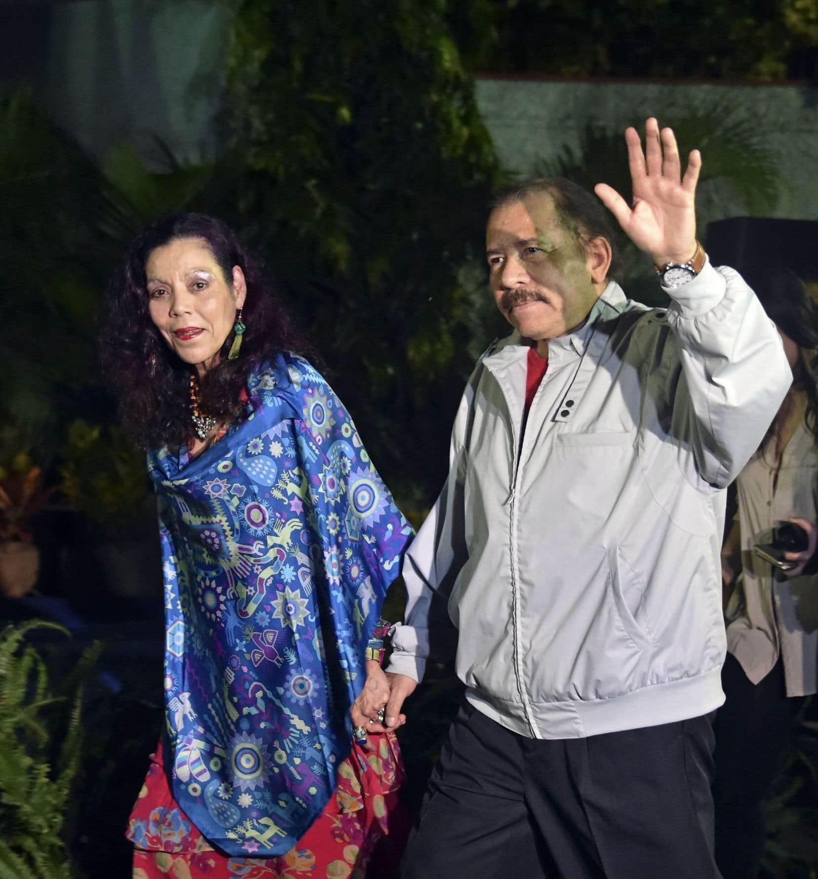 Daniel Ortega s'est félicité d'un «vote pour la paix», et son épouse Rosario Murillo a jugé le scrutin «exemplaire».