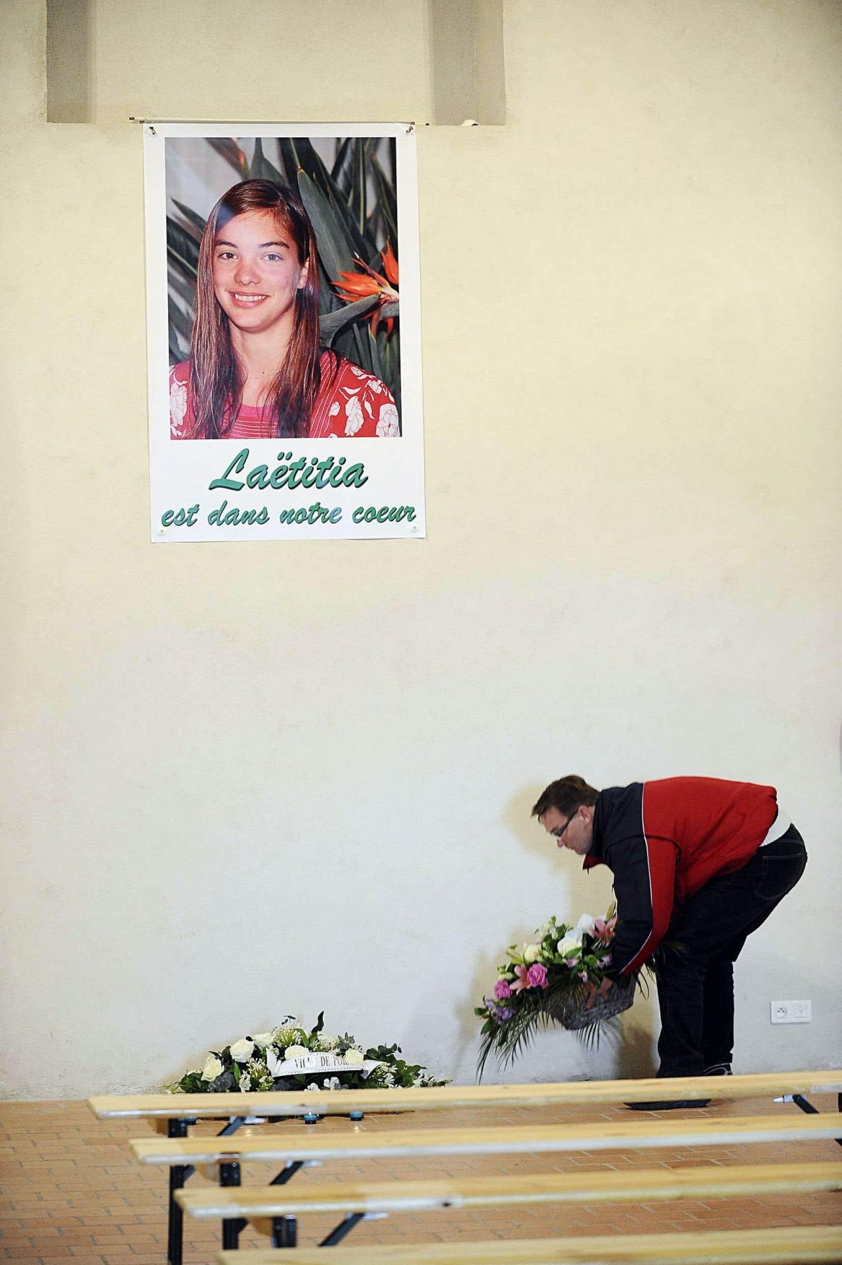 Janvier 2011. La petite communauté de Pornic, en France, est sous le choc après la disparition de la jeune Laëtitia Perrais.