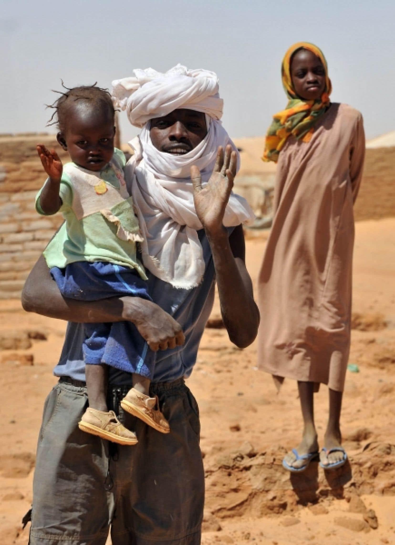 Scène du quotidien pour une famille de réfugiés du Darfour. L'ONU estime que le conflit a fait pas moins de 2,7 millions de déplacés depuis son déclenchement, en 2003.