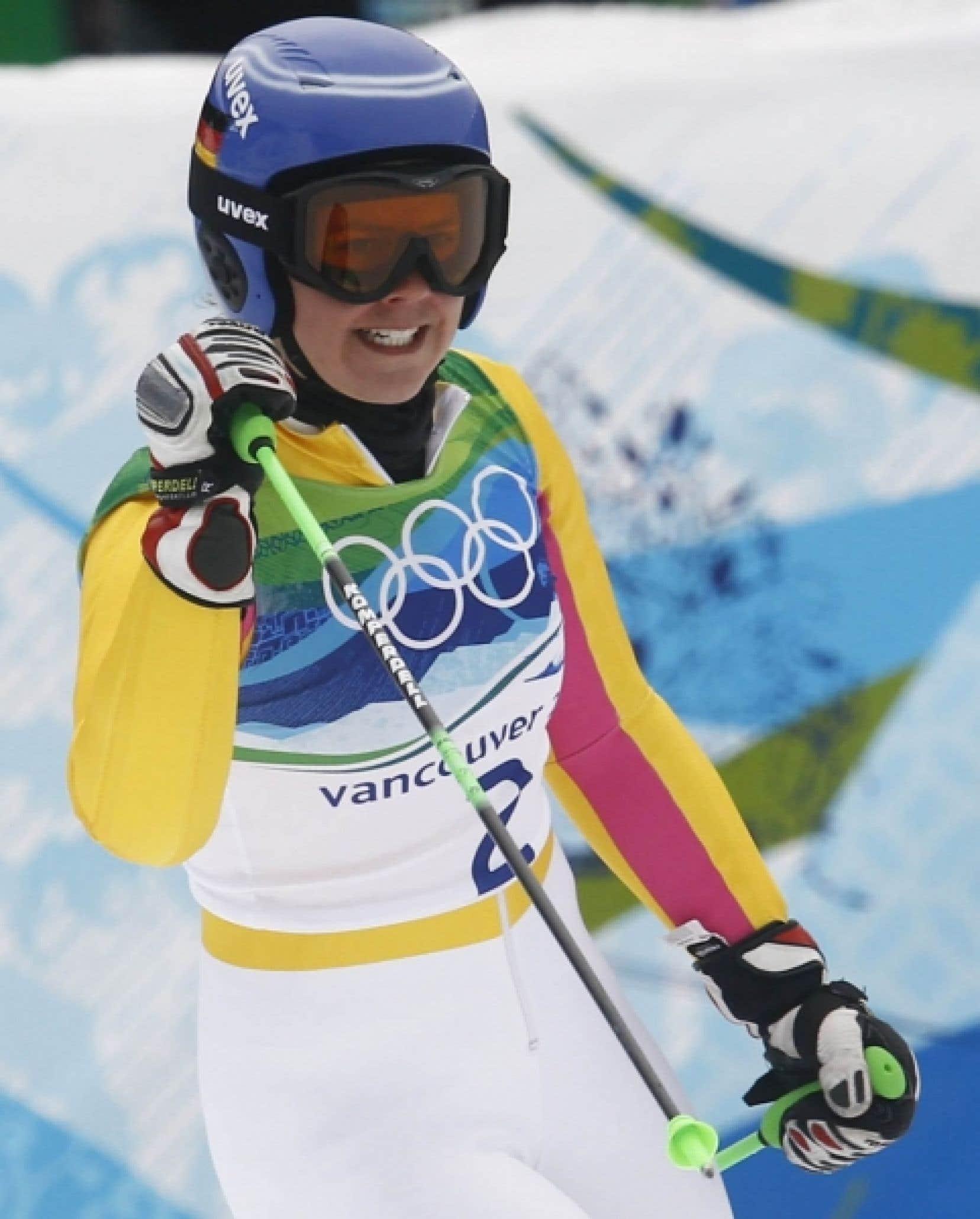 Viktoria Rebensburg a terminé avec un temps cumulatif de  2 min 27 s 11.