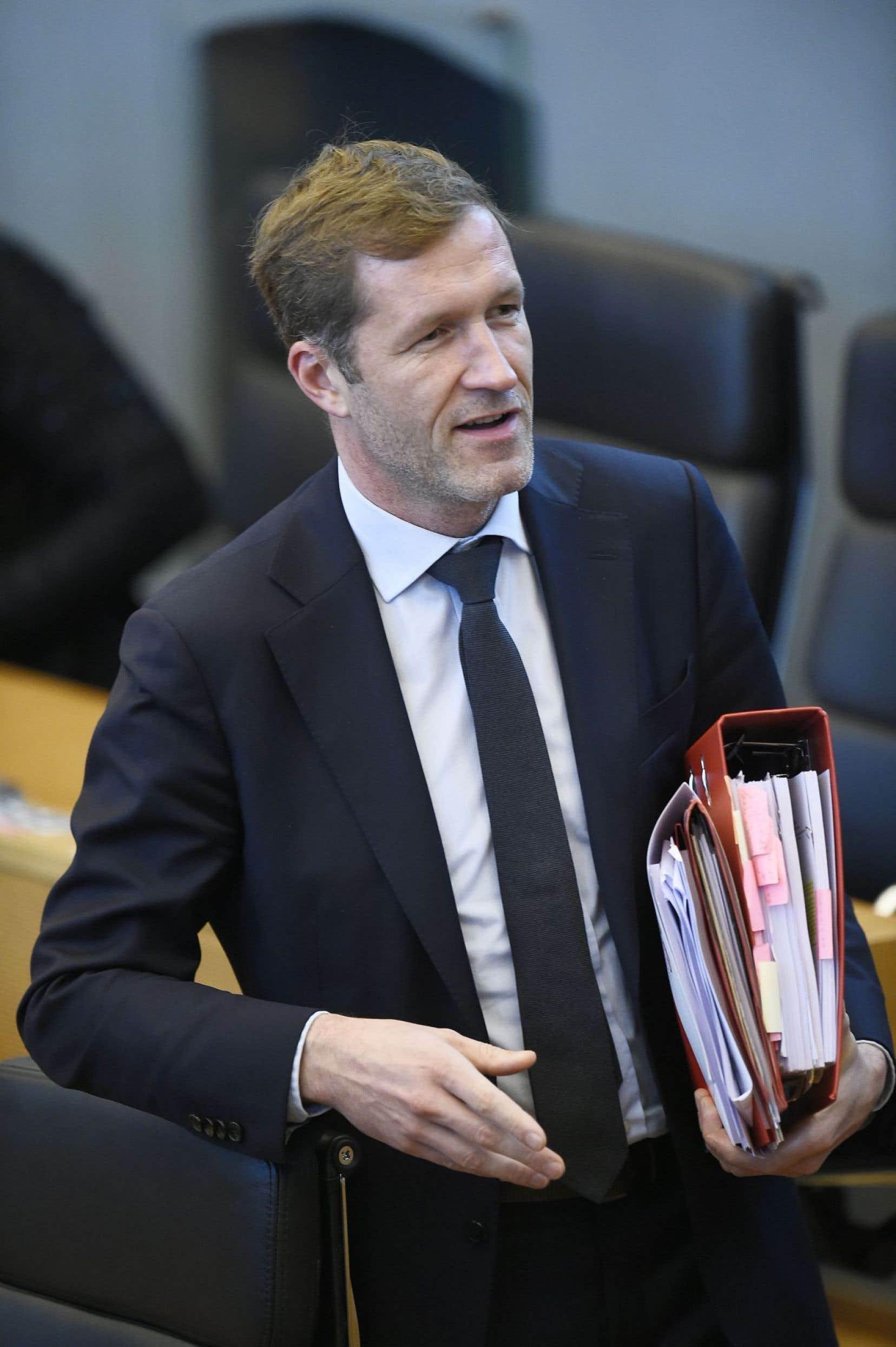 Des universitaires européens et américains se sont ralliés autour du chef du gouvernement de la région belge de Wallonie, Paul Magnette.