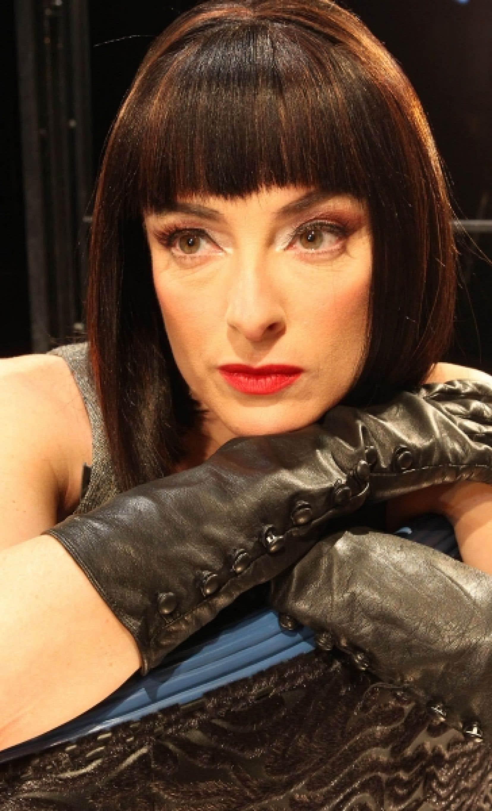 «Au théâtre, explique Pascale Bussières, je dois sortir de mes marques habituelles, perdre mes repères: je me mets en danger.»