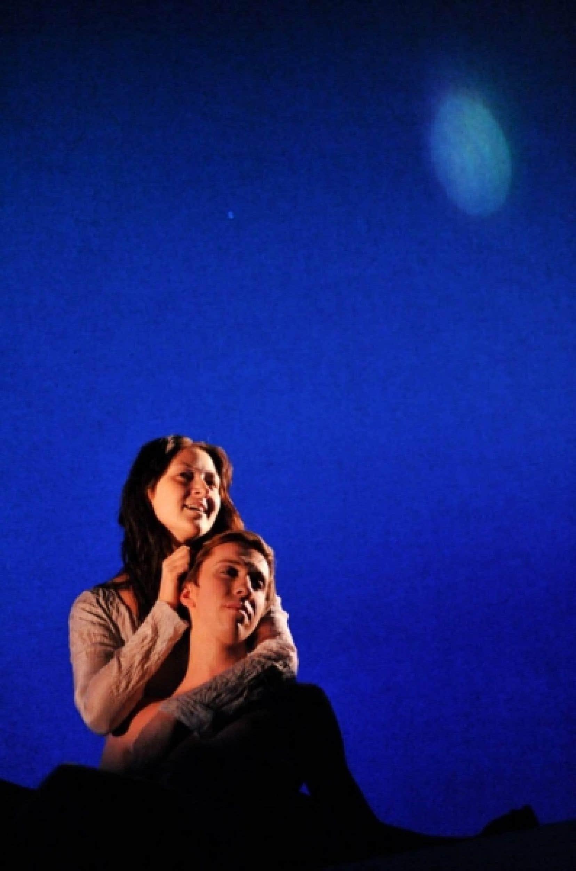 L'oeuvre expose une vérité essentielle: la quête d'amour.