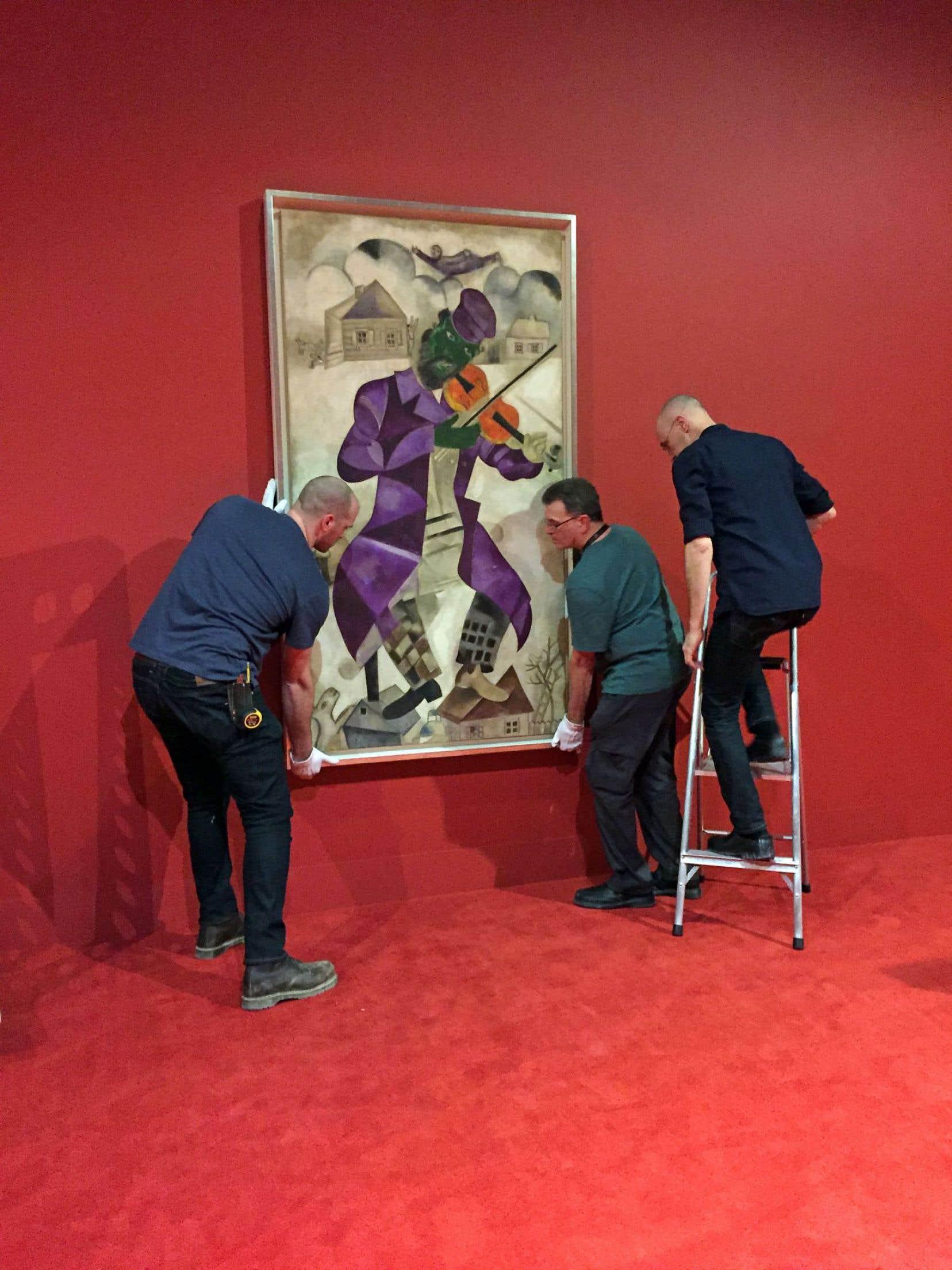 C'est avec un violon, fidèle compagnon, que la peinture de Marc Chagall a posé ses premières couleurs au MBAM.