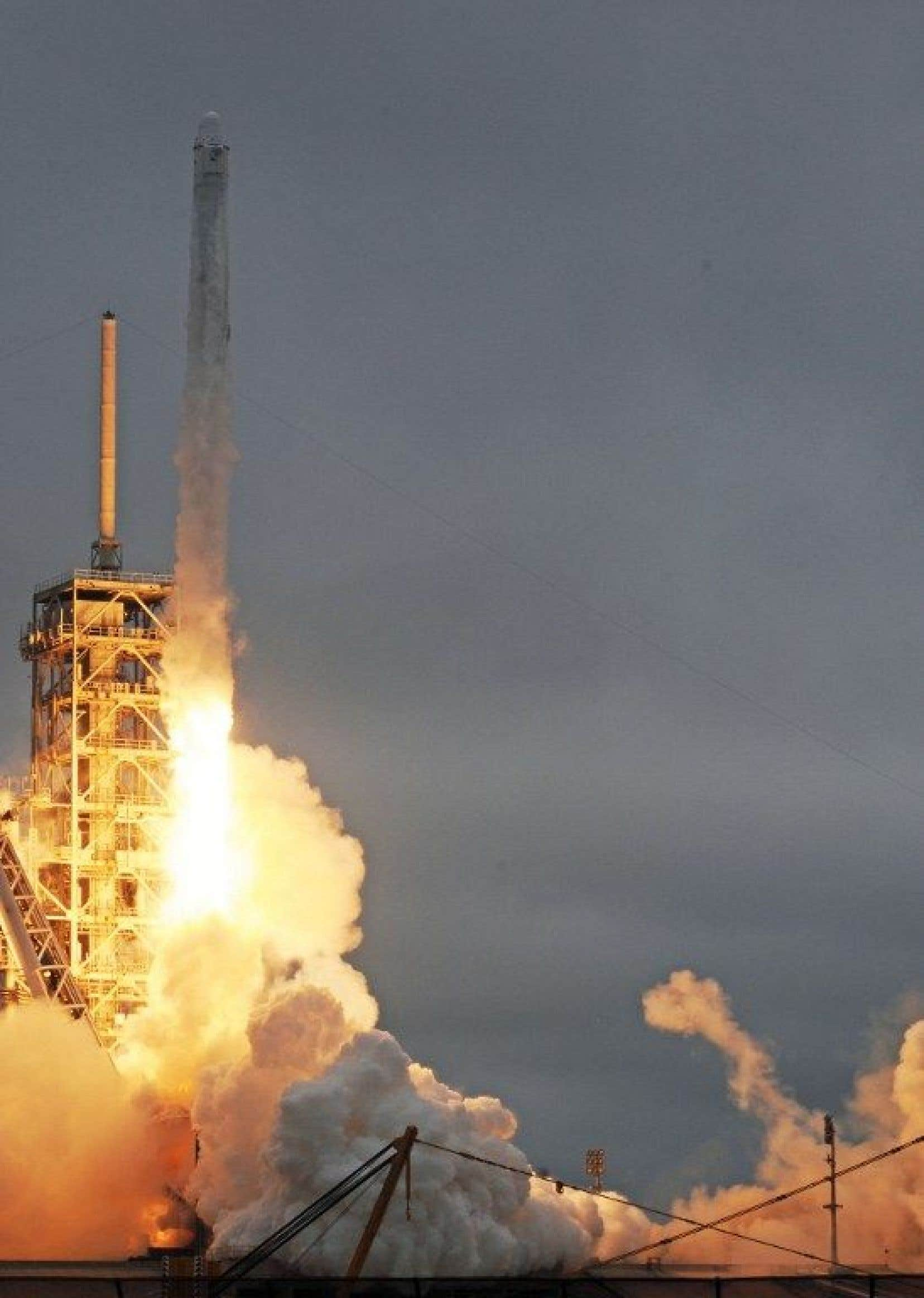 Ces touristes voleront à bord du vaisseau spatial «Dragon 2».