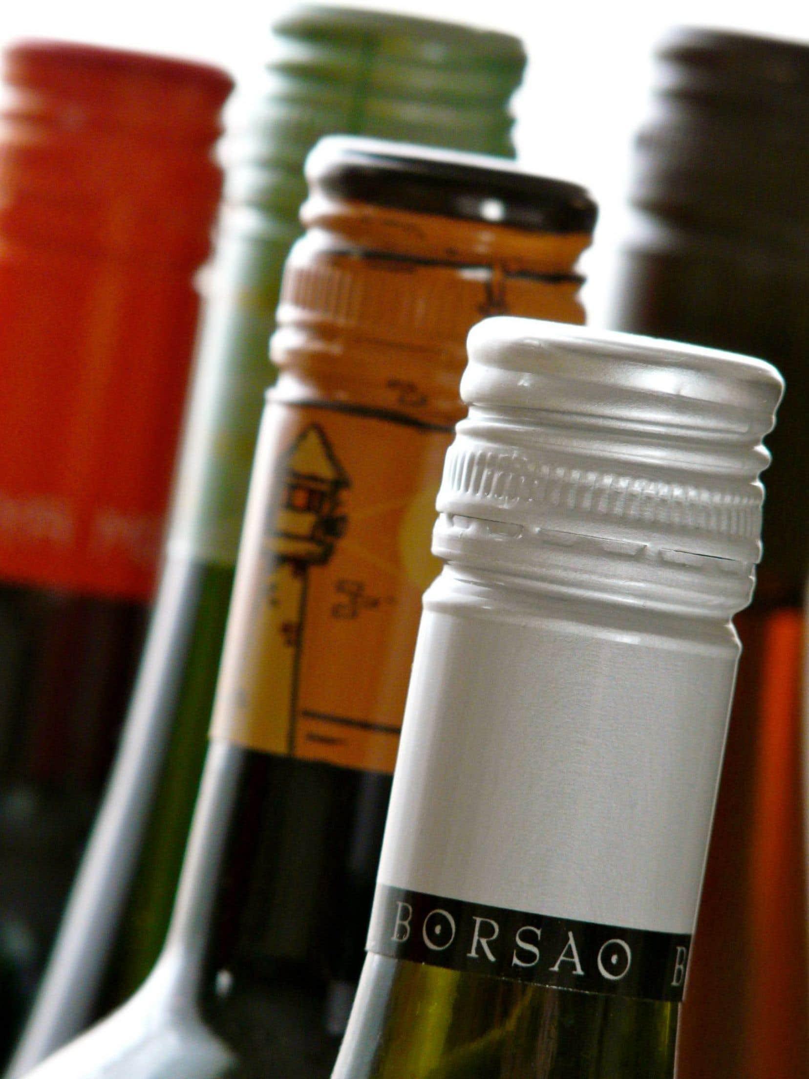 Des «mouchards» sont intégrés à même les capsules des vins et spiritueux dans les succursales du monopole d'État suédois Systembolaget.