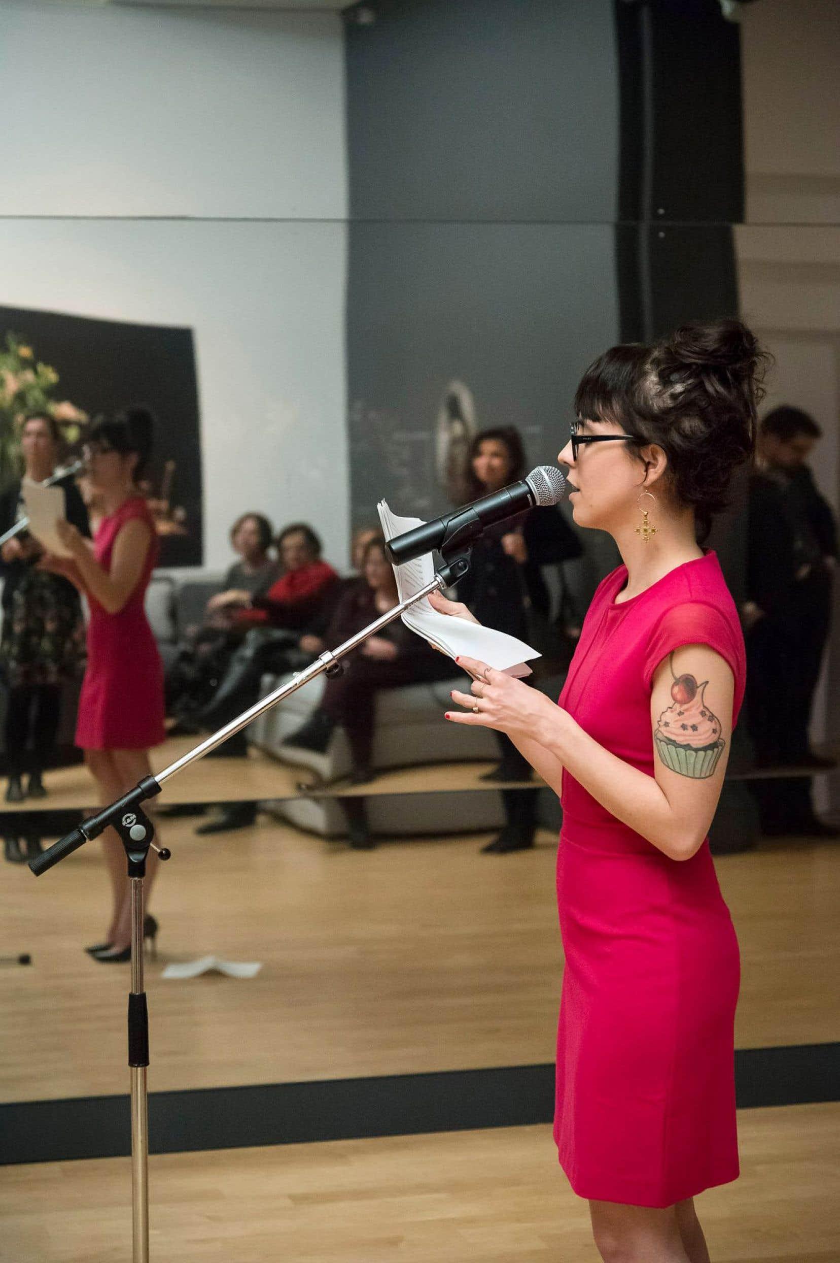 Véronique Grenier a été conviée à signer une création littéraire afin d'enrichir la visite de l'exposition «Le temps file» avec le médiaguide.