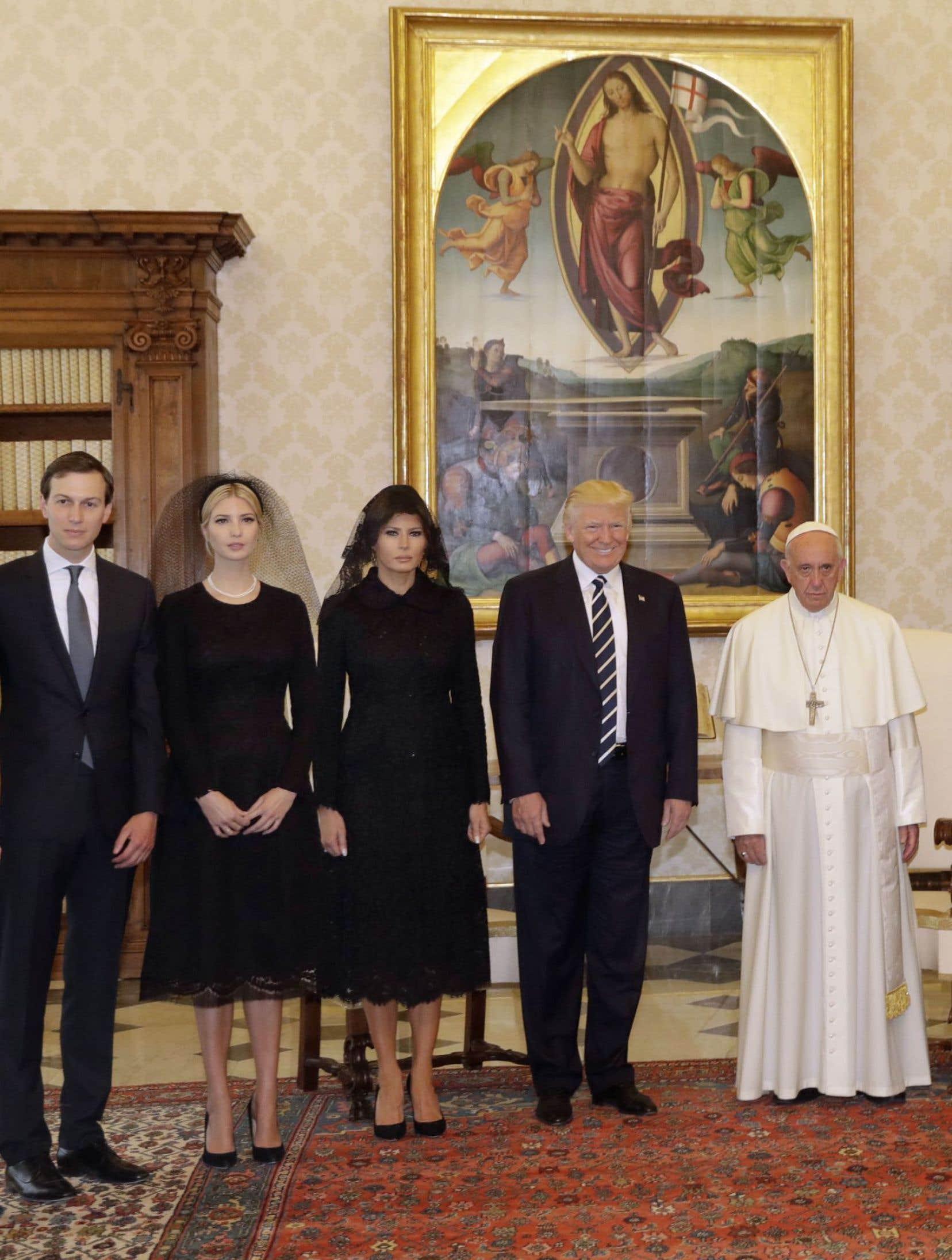 Le président américain Donald Trump a rencontré le pape François en compagnie de sa fille Ivanka et de sa femme, Melania.