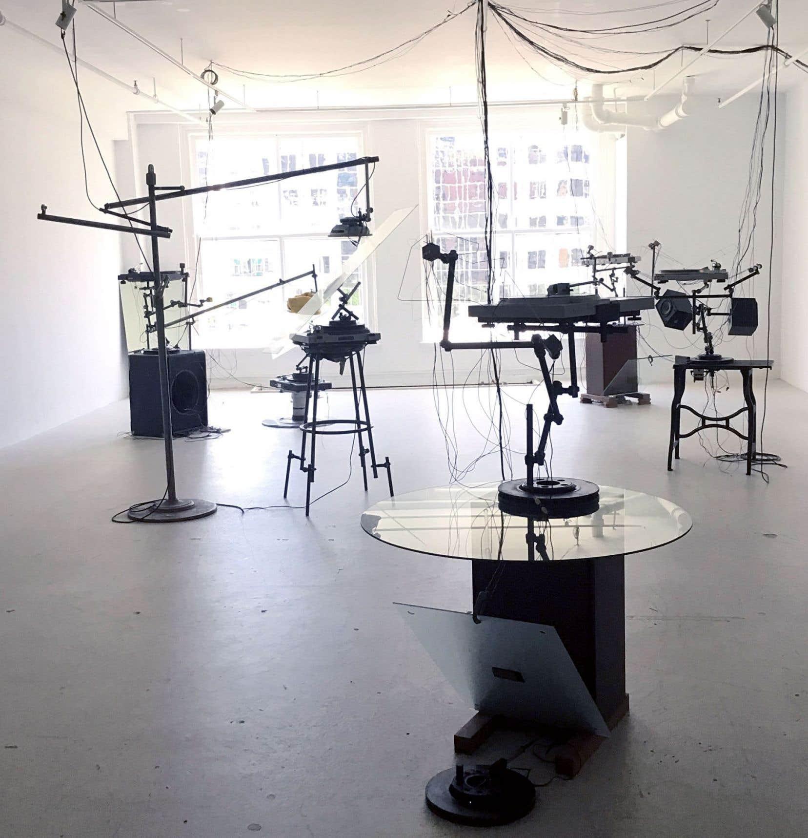 Vue sur la grande salle de l'exposition «See You in the Next Loop» de Thomas Bégin