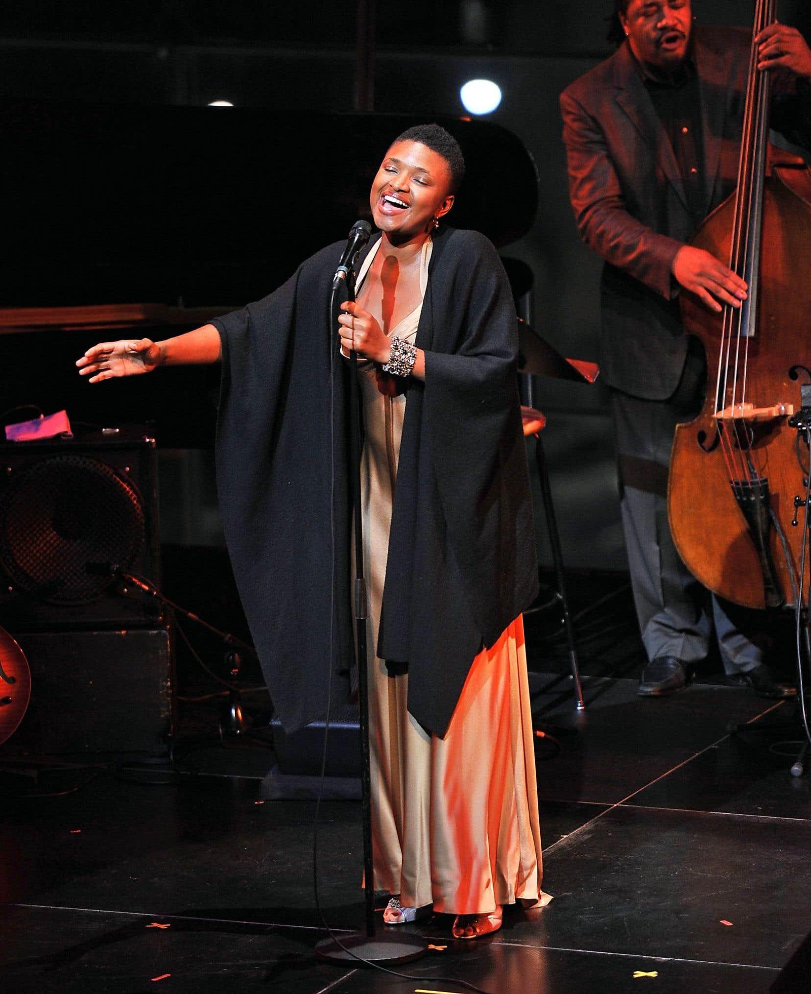 La chanteuse de jazz Lizz Wright au cours d'un concert au Jazz at Lincoln Center le 2 novembre 2011 à New York