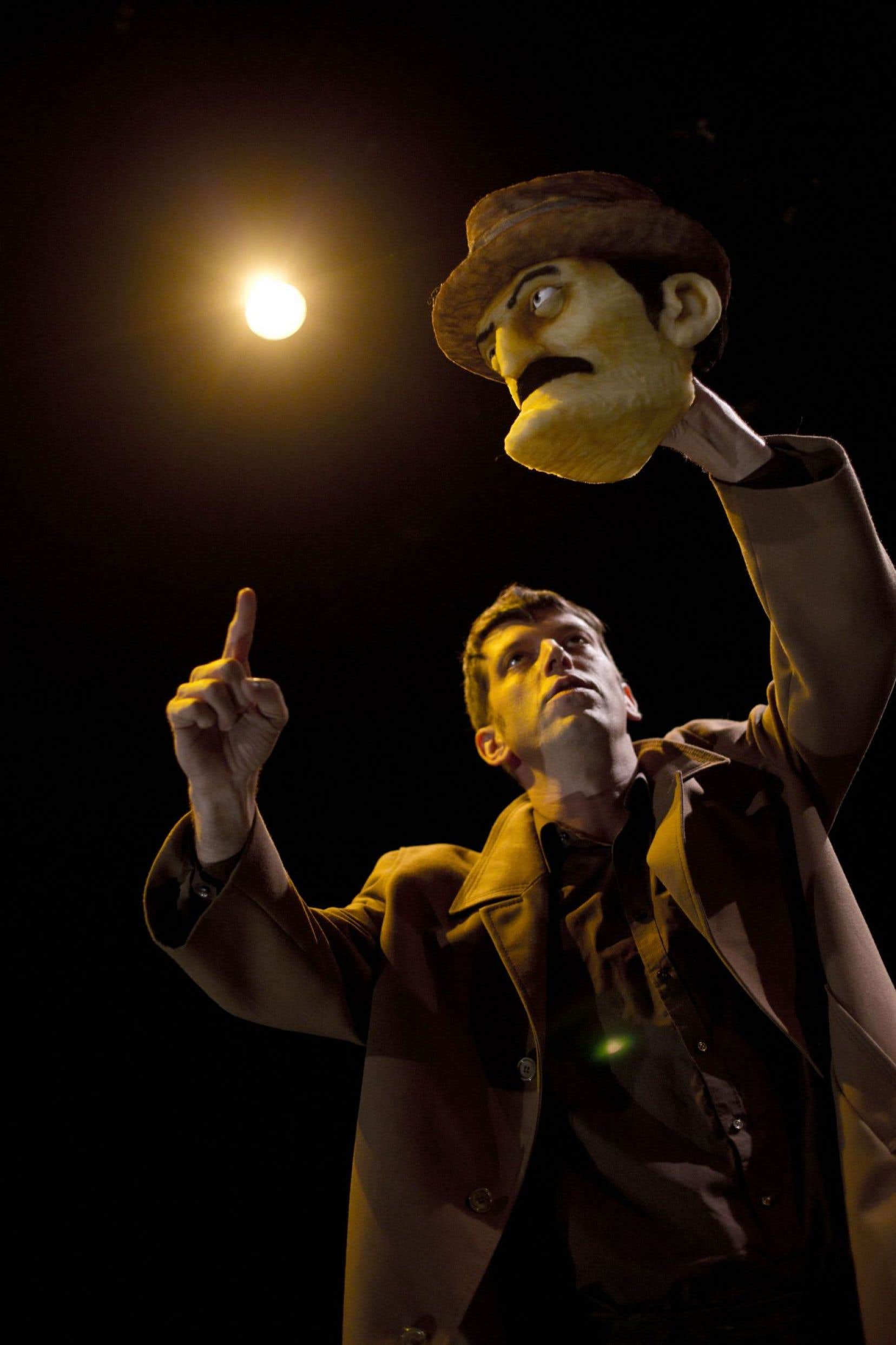 «Landru» est un spectacle-procès inspiré de l'histoire d'Henri Désiré Landru, qui aurait tué dix femmes et un garçon entre1915 et1919.