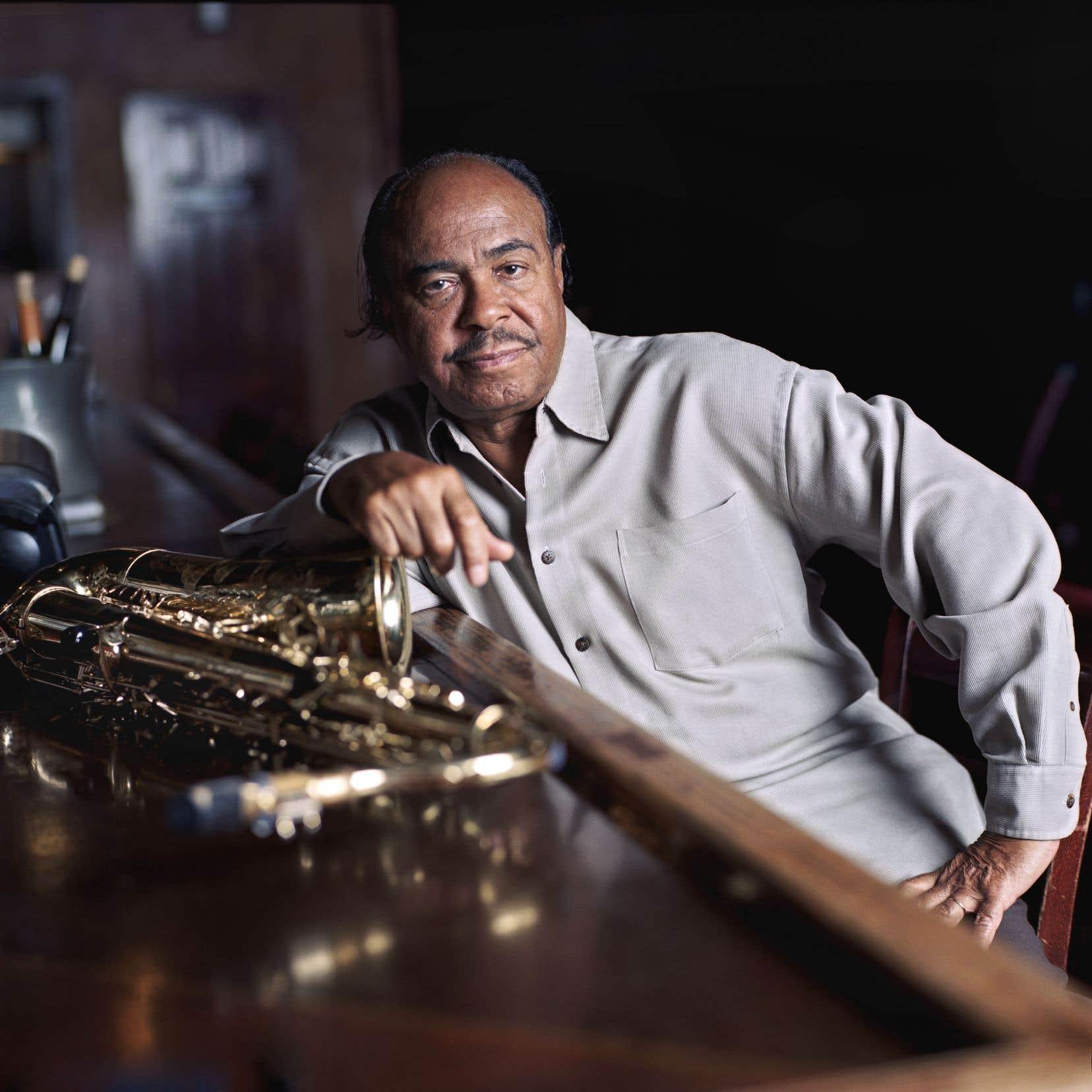 Benny Golson a publié cette année, soit celle du 50eanniversaire de la mort de Coltrane, un album intitulé «Horizon Ahead».