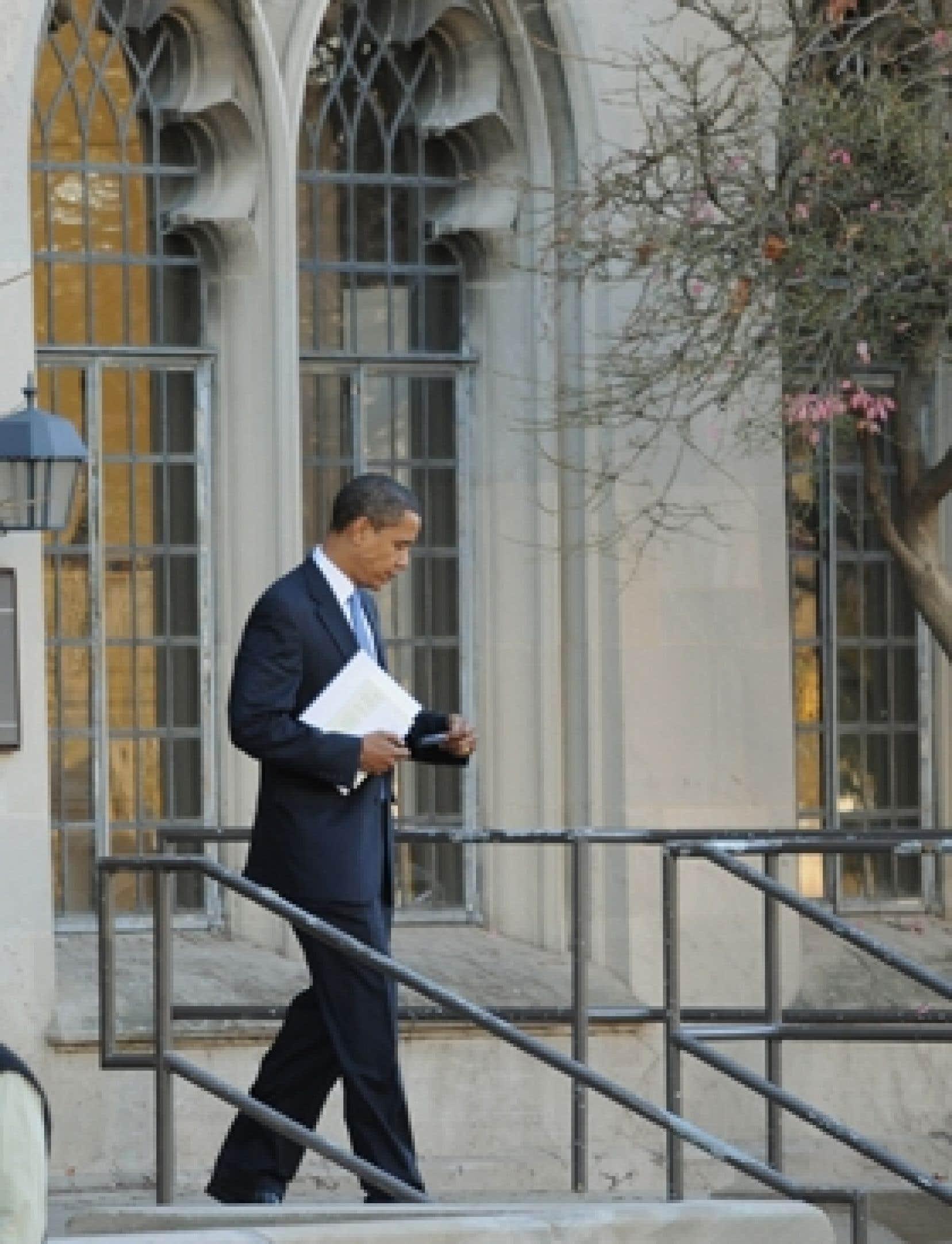 Barack Obama se prépare à Chicago à assumer la présidence.