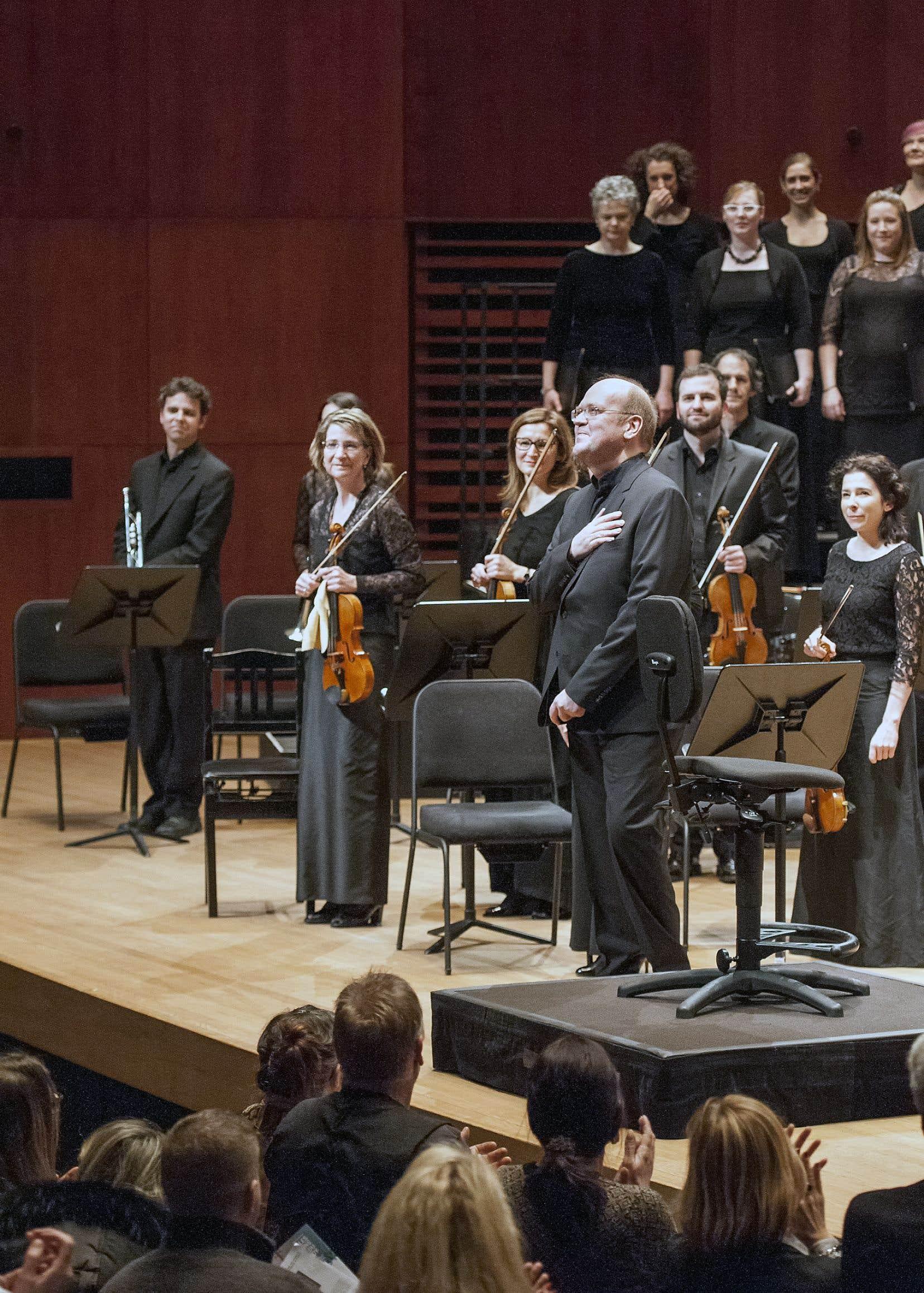 Le chef d'orchestre Bernard Labadie avec les Violons du Roy en 2016