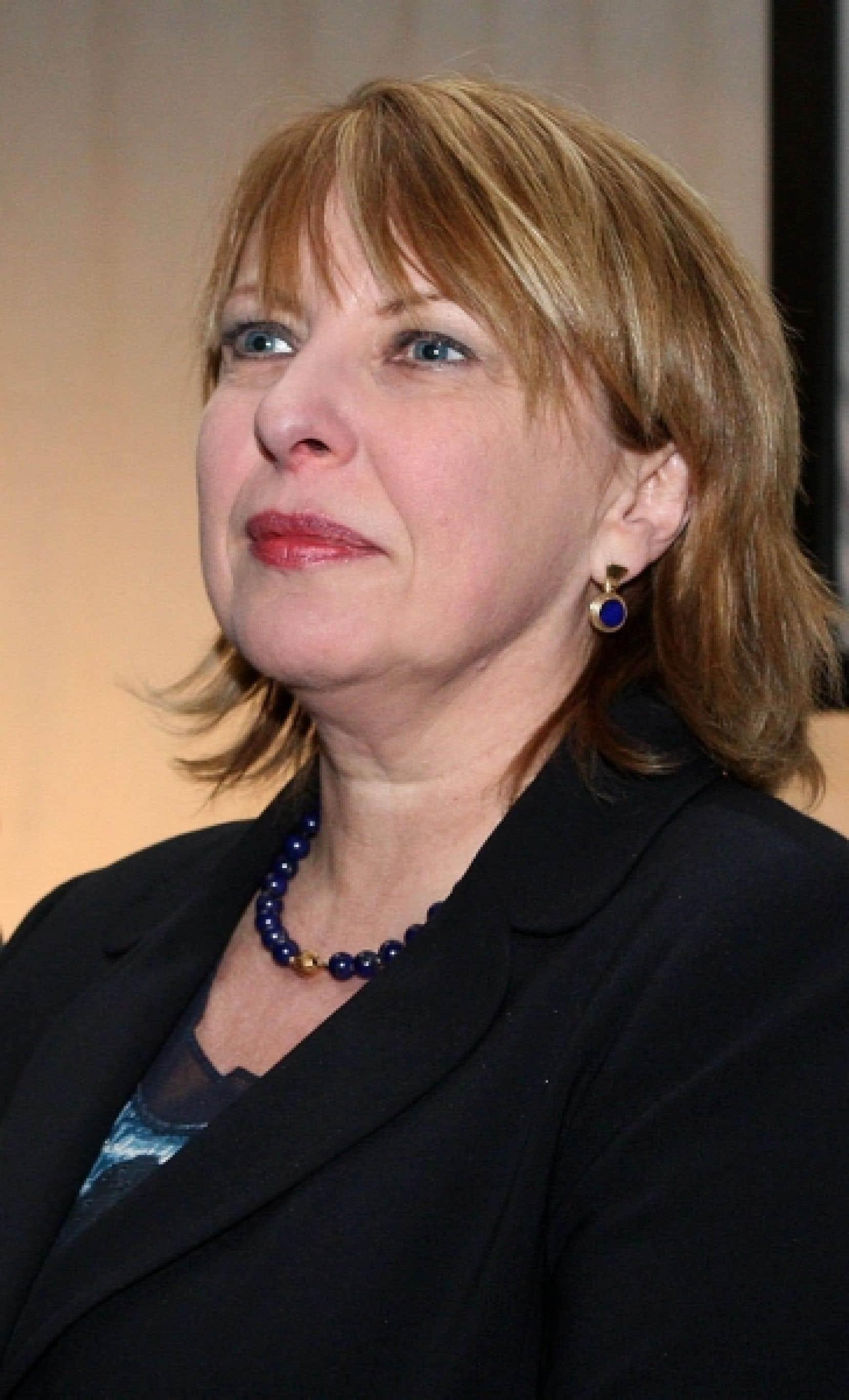 Selon la ministre responsable de la Charte de la langue française, Christine St-Pierre, la nouvelle politique linguistique «va nous mettre à l'an 2010». Elle remplacera la politique actuelle, qui date de 1996.