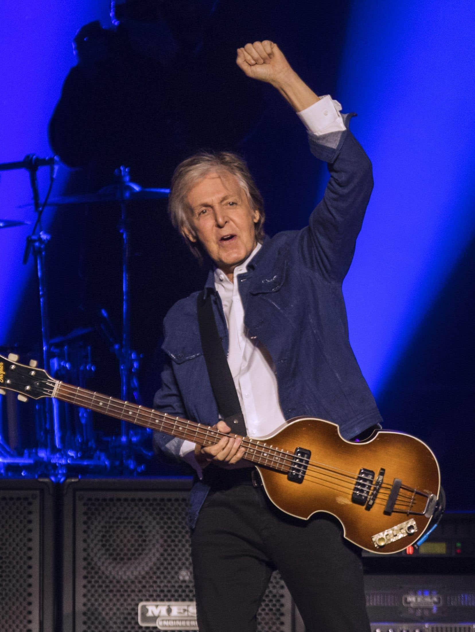 Paul McCartney a offert un marathon de chansons sans discontinuer pour le plus grand plaisir des milliers de spectateurs réunis au Centre Bell jeudi soir.
