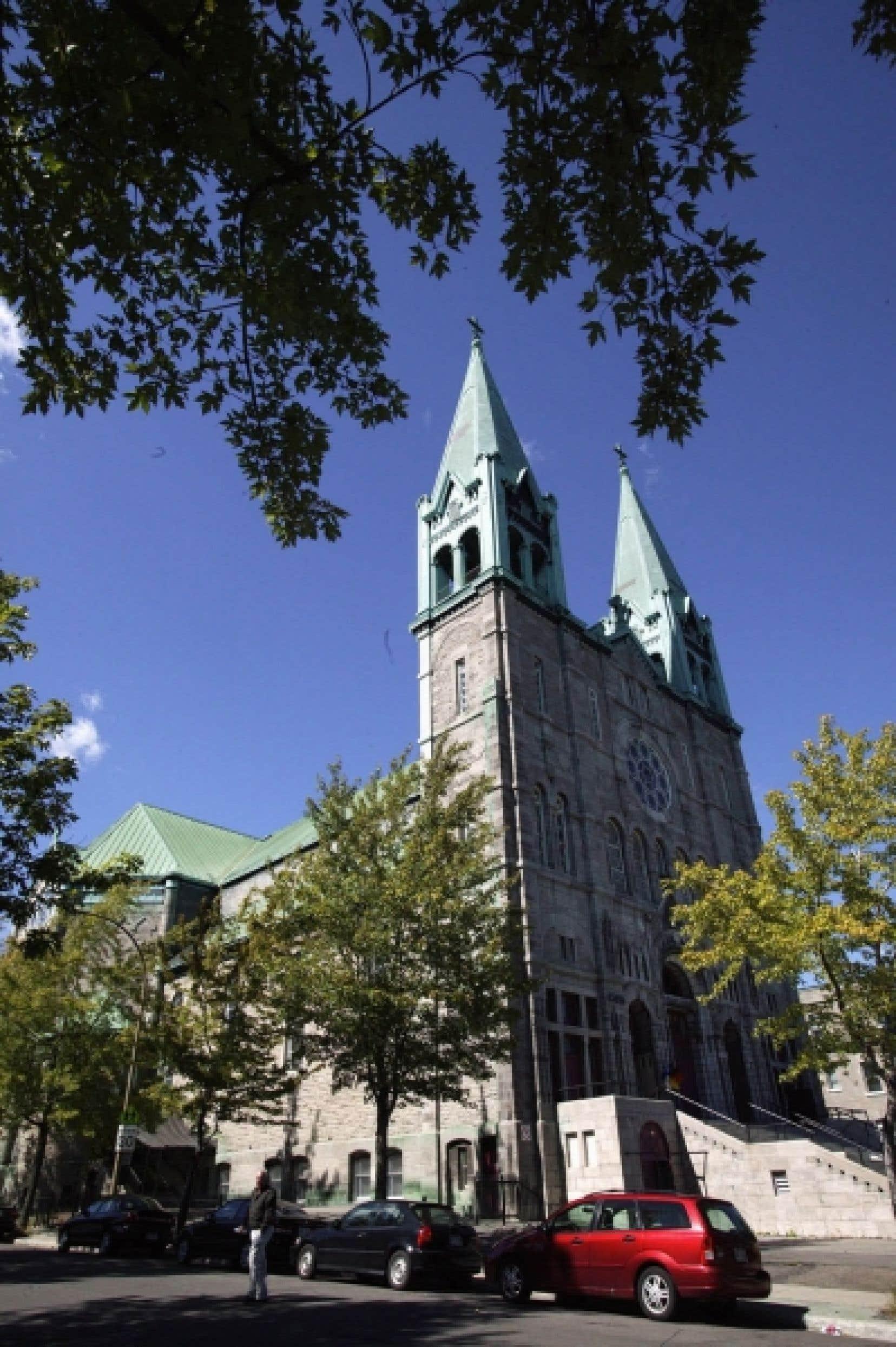 Le sort de l'église du Très-Saint-Nom-de-Jésus est indissociable de la trame du quartier Hochelaga-Maisonneuve, le plus intéressant et typique quartier de Montréal.