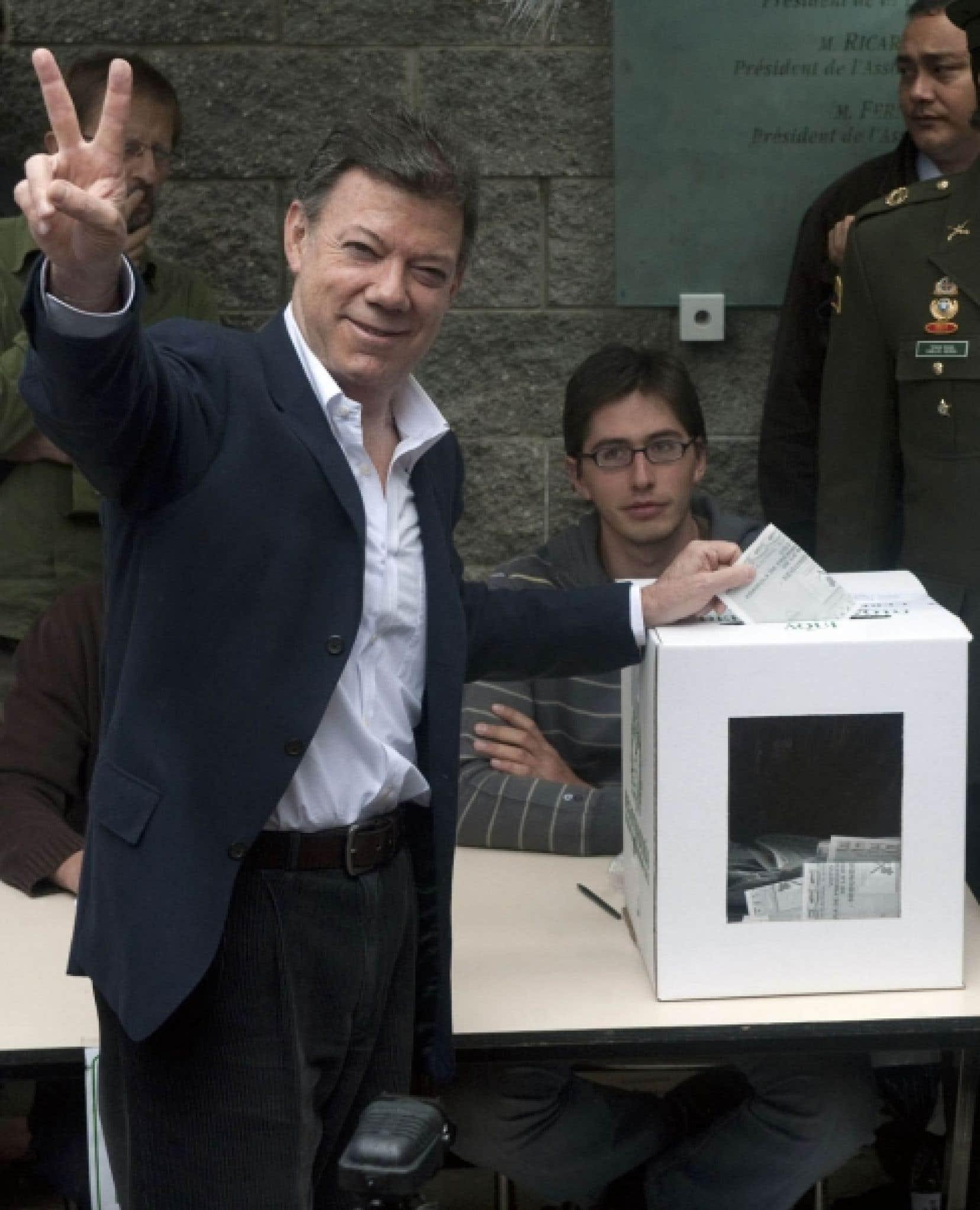 Le candidat du parti social d'union nationale à la présidentielle, Juan-Manuel Santos, a obtenu  69 % des suffrages avec plus de 8,9 millions de voix.