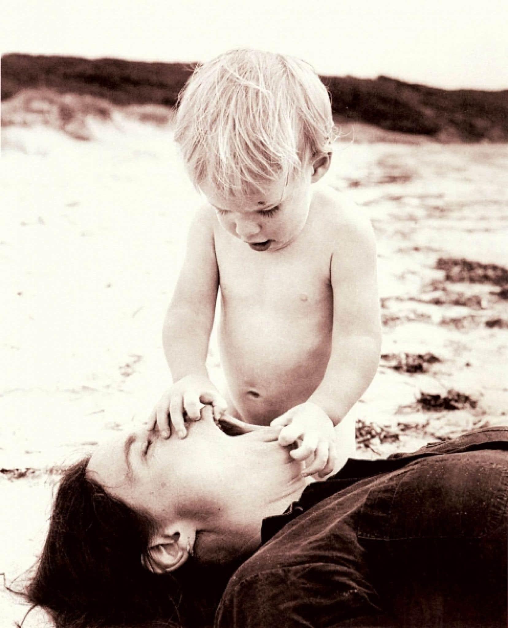 «On peut comparer la patience d'une mère à un tube de dentrifice. Il en restera toujours un peu au fond», une citation du livre Pour ma mère.<br />