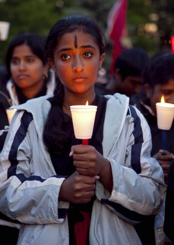 Rassemblement à Toronto pour commémorer le premier anniversaire de la fin de la guerre civile au Sri Lanka, mai 2010. <br />