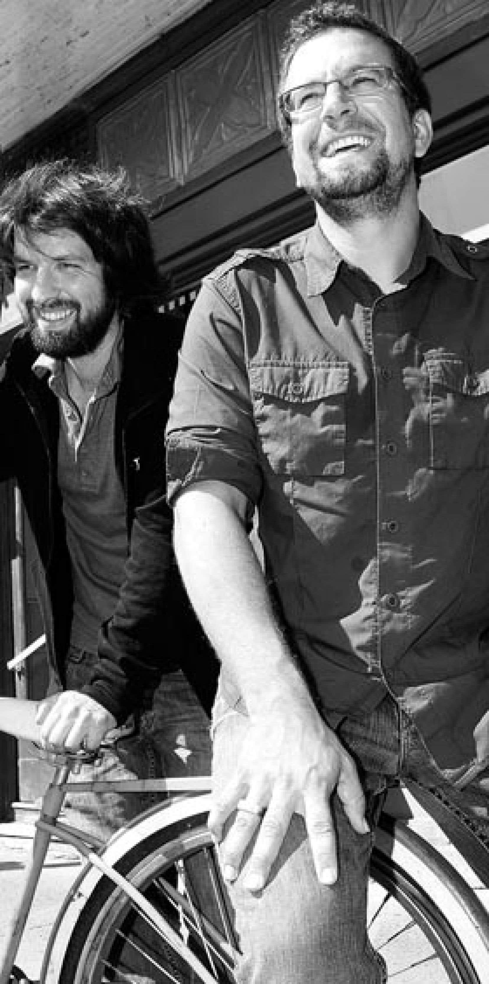 Le guitariste François Lafontaine et le batteur Marc-André Brazeau arborent en tout temps leur sourire contagieux.