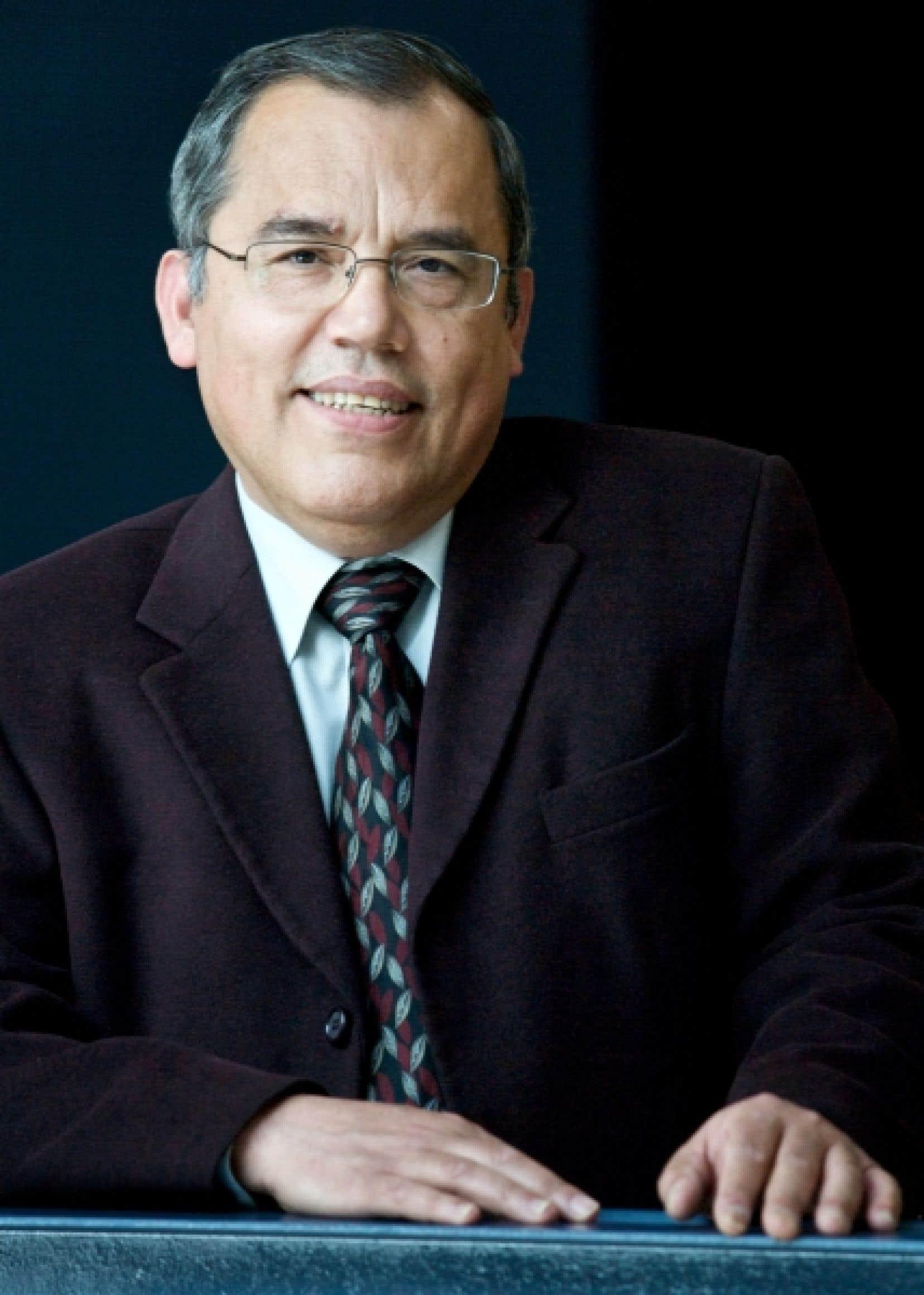 Ernesto Molina, professionnel de recherche au Conseil qu&eacute;b&eacute;cois de la coop&eacute;ration et de la mutualit&eacute; et coordonnateur de la conf&eacute;rence internationale de L&eacute;vis.<br />