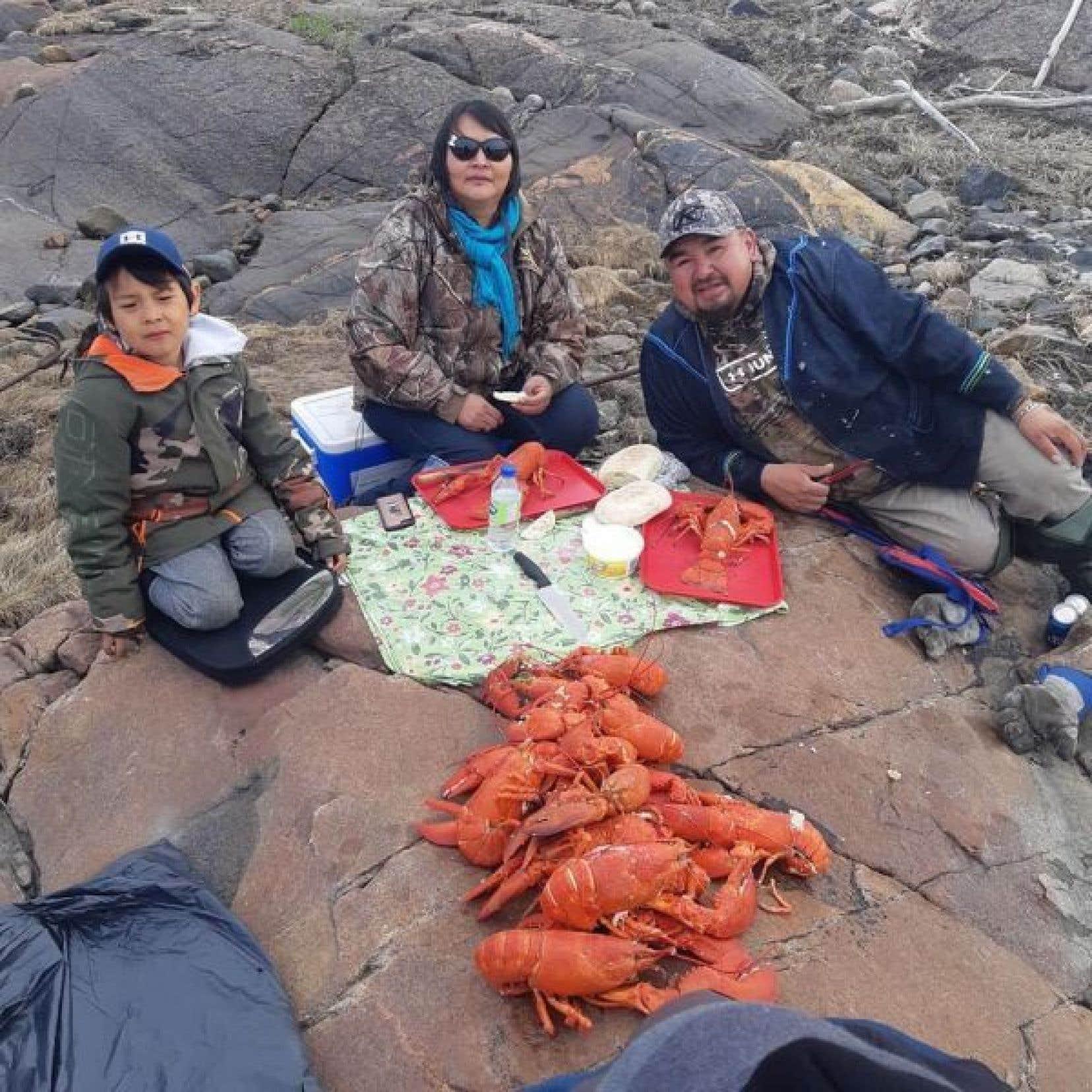 Festin de homards, issus d'une récolte sélective et raisonnable, avec la famille Lalo de Natashquan