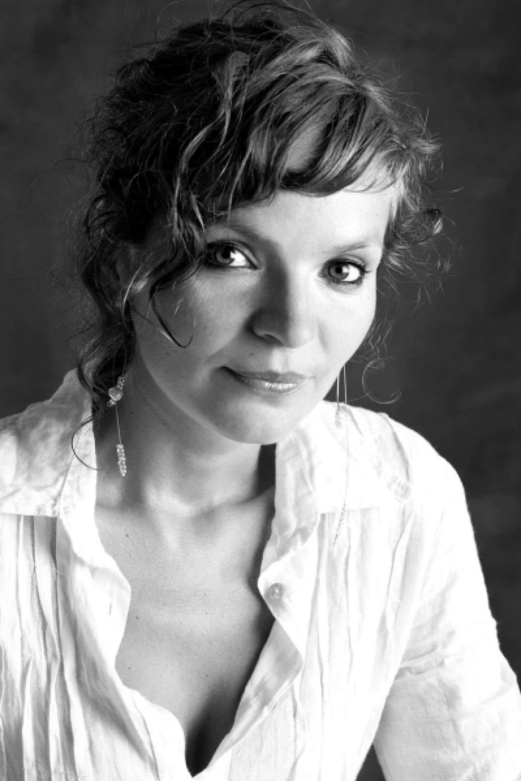 Le premier roman d'Anaïs Barbeau-Lavalette s'inspire des rencontres qu'elle a faites au moment de réaliser son film Le Ring.<br />