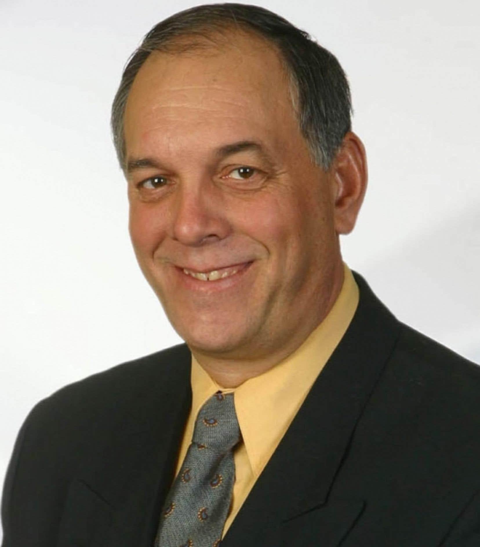 Michel Lavoie est maire de Saint-Rémi depuis 2005. Il a tenté sa chance sur la scène provinciale aux côtés de Mario Dumont, de l'Action démocratique du Québec. Il a mordu la poussière, se contentant d'une troisième place dans la circonscription de Huntingdon.