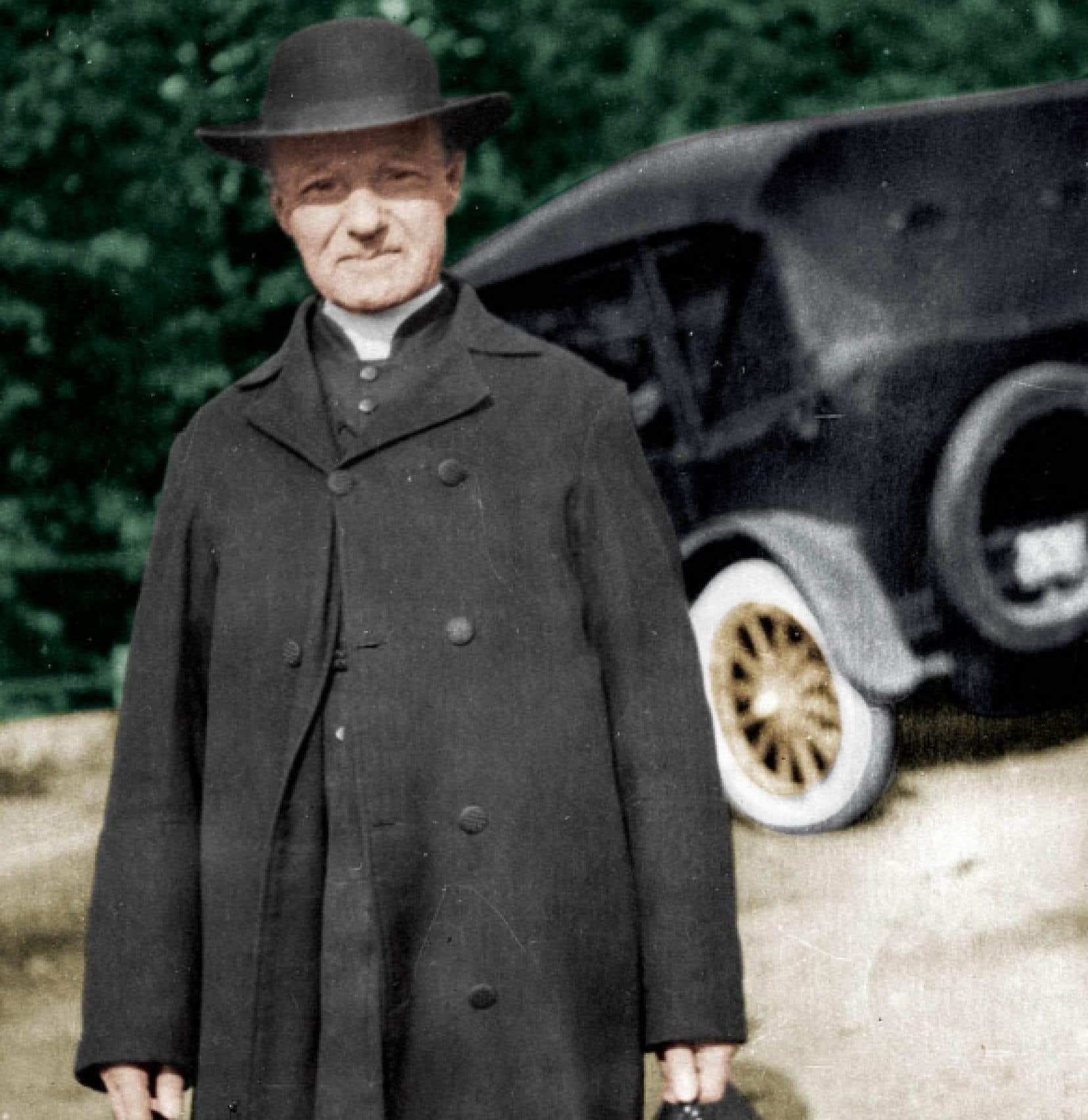 «La simplicité et l'humilité du frère André, c'est un peu le caractère des Québécois», dit l'historien Denis Vaugeois.<br />