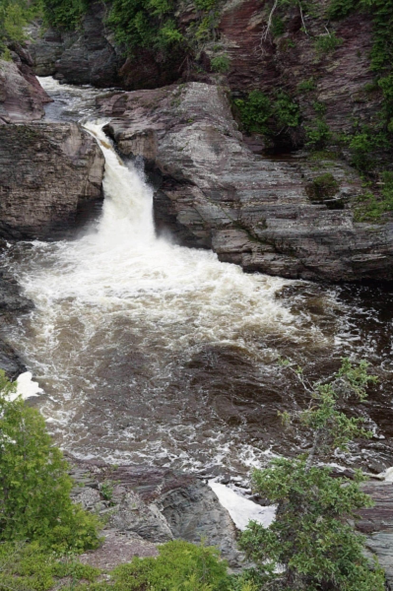 Avec 2% des réserves mondiales d'eau douce, le Québec est plutôt bien placé pour faire face à la rareté croissante de l'eau dans le monde<br />