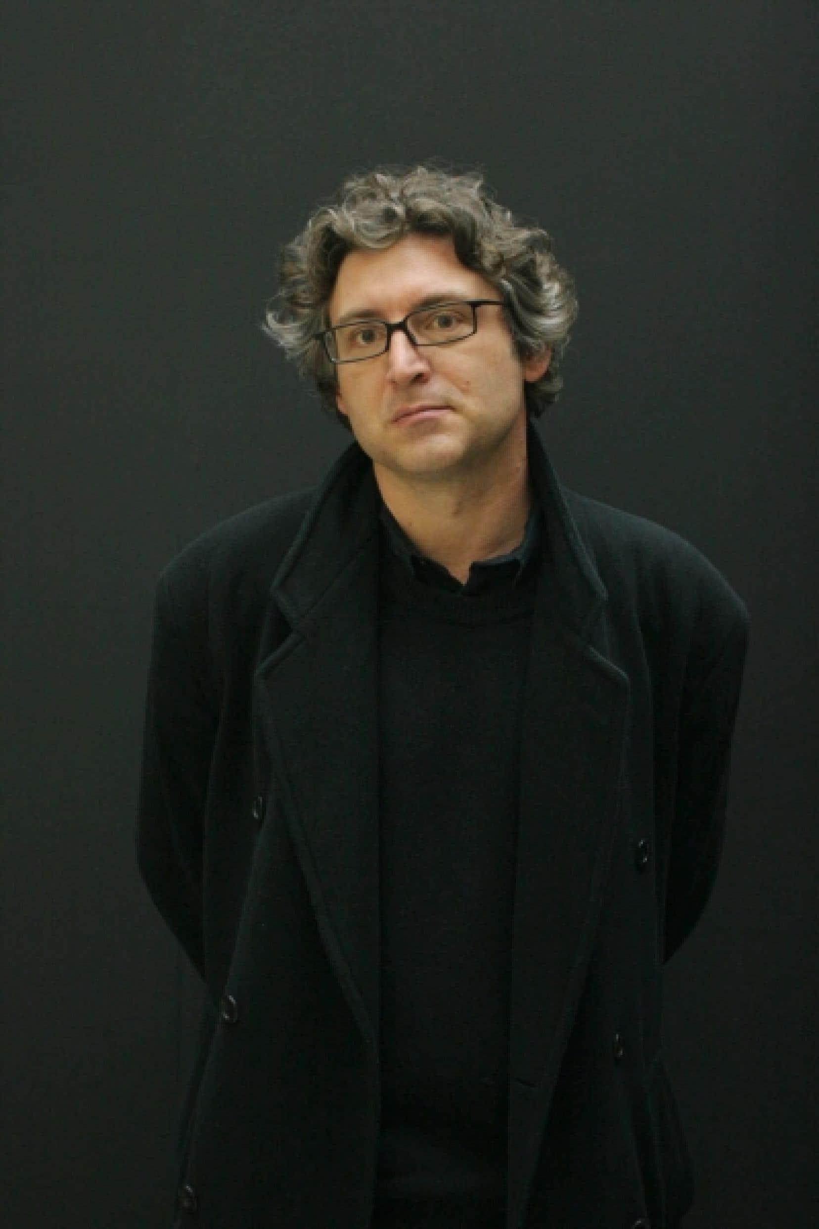 Michel Onfray croit que seule la philosophie peut permettre de faire barrage au conformisme et au dogmatisme.<br />