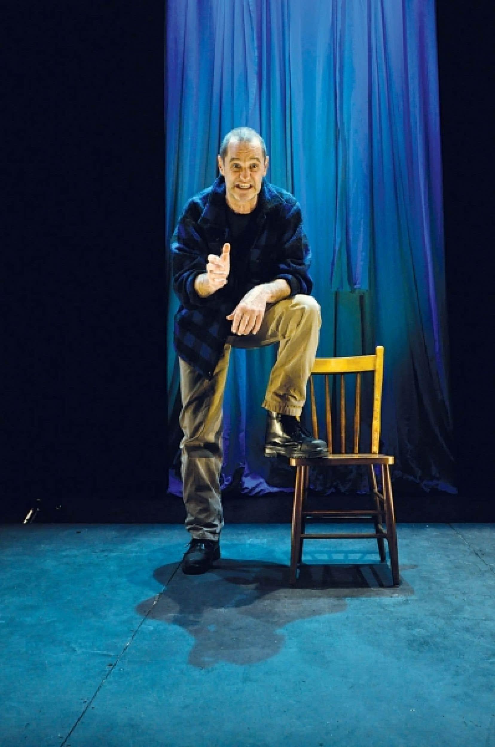 La livraison pince-sans-rire de cette langue colorée d'Étienne Lepage par Roger La Rue (notre photo) ainsi que l'impeccable phrasé comique de ce comédien sous-estimé font de ce solo l'un des clous du spectacle.<br />