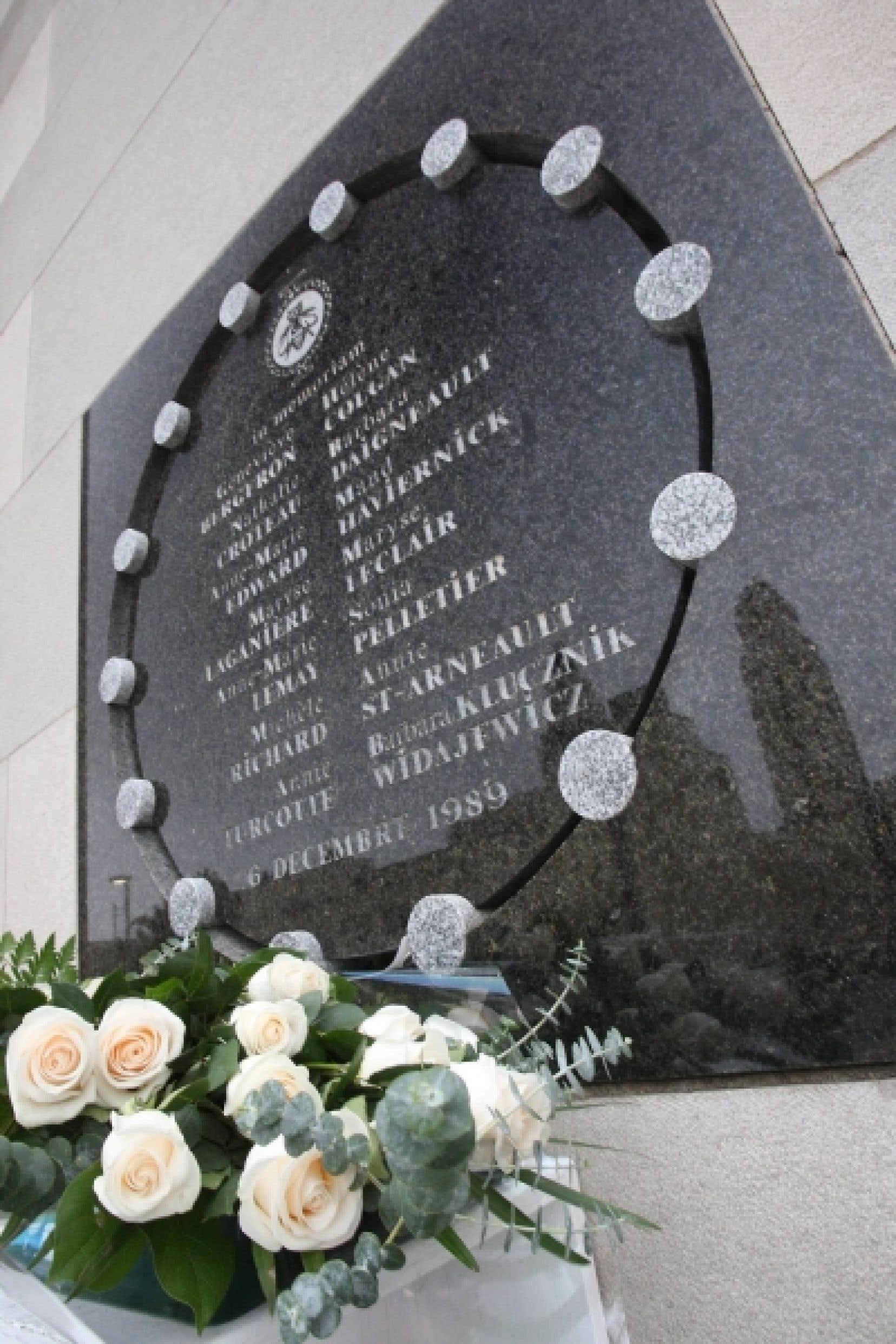 Le monument commémorant les 14 victimes de Marc Lépine lors de la tuerie de Polytechnique.