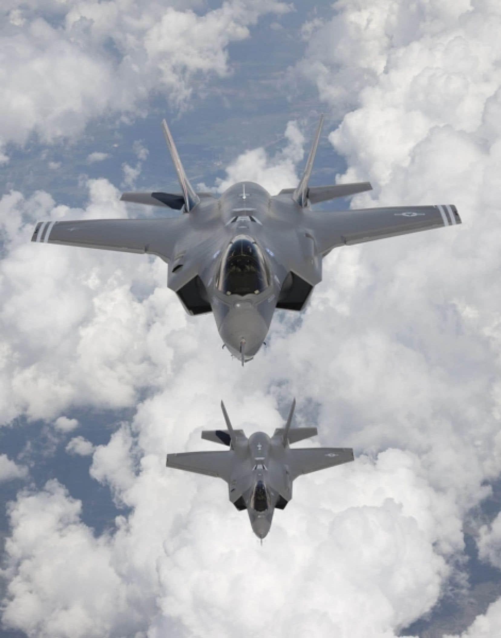 Le F-35 est incompatible avec le système de ravitaillement en vol du Canada. Les Forces canadiennes affirment que ses deux ravitailleurs doivent être remplacés d'ici 2015, et que l'achat de nouveaux appareils compatibles avec le F-35 pourrait être la solution. <br />