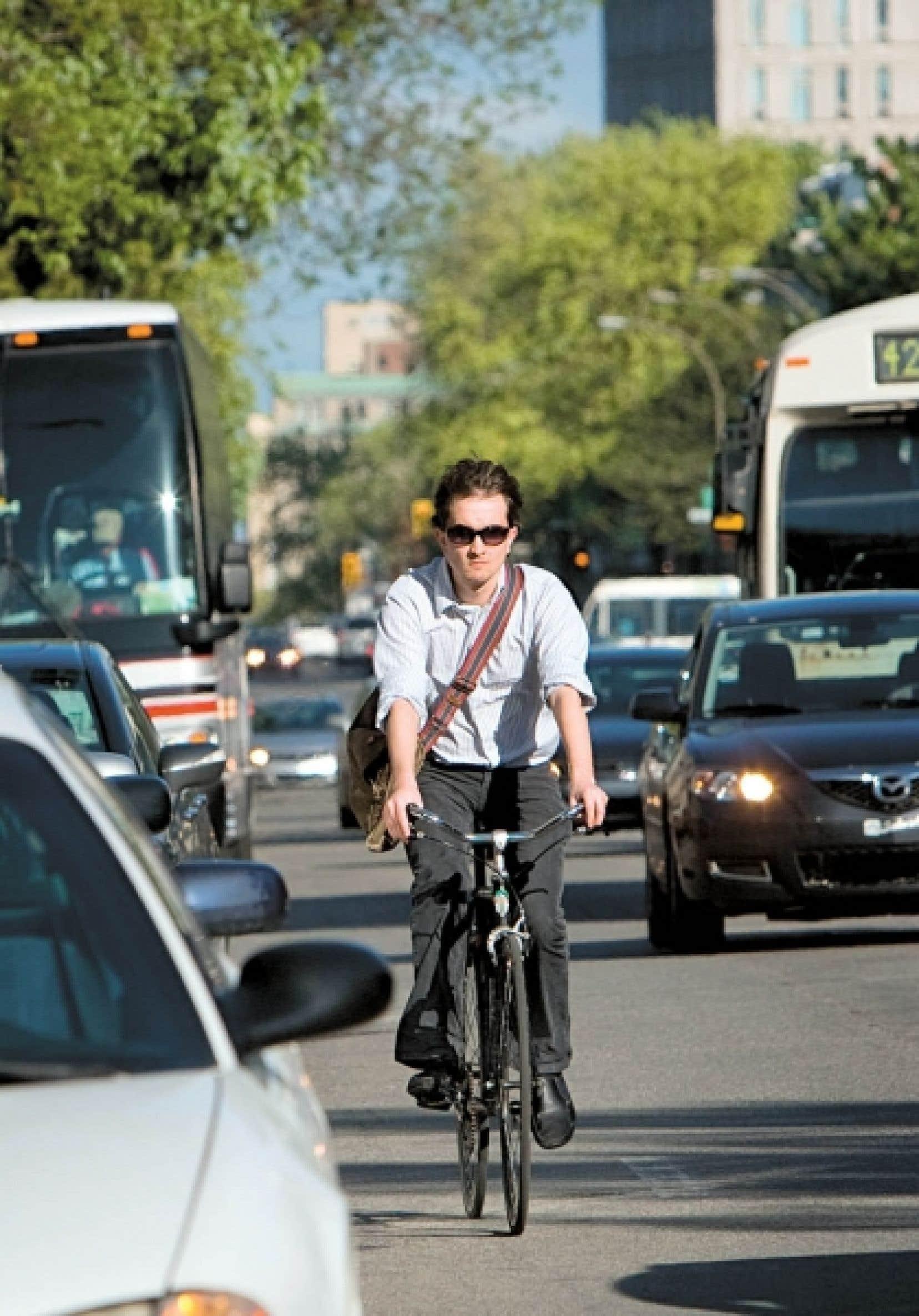 Le vélo n'est plus seulement un loisir pratiqué par une fraction de la population les week-ends de beau temps; il est redevenu un mode de vie, après plusieurs décennies passées à mordre la poussière sur le bas-côté pendant que la voiture connaissait son heure de gloire. Sur la photo: Andrew Knowls.<br />