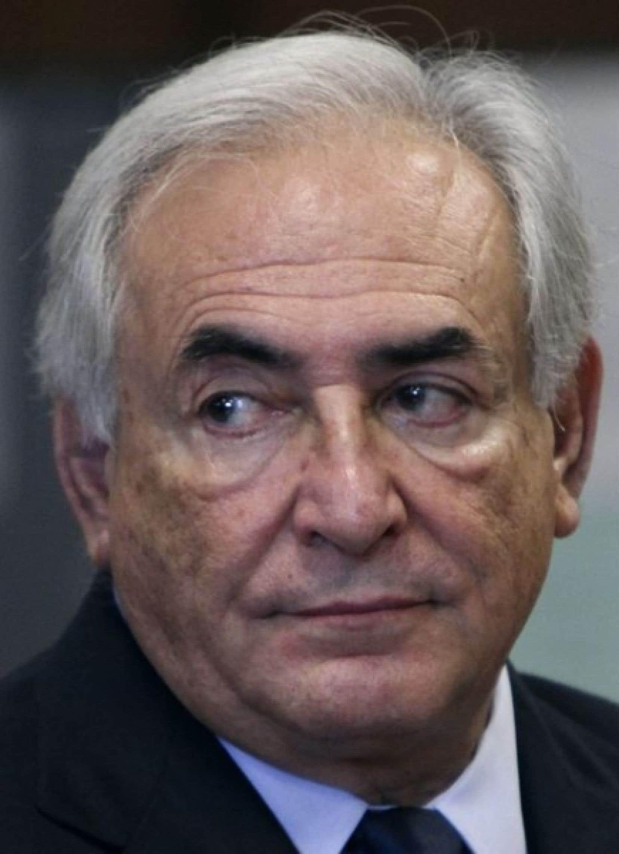 Nouveau rebondissement: la journaliste française Tristane Banon entend officiellement porter plainte contre DSK pour viol. <br />
