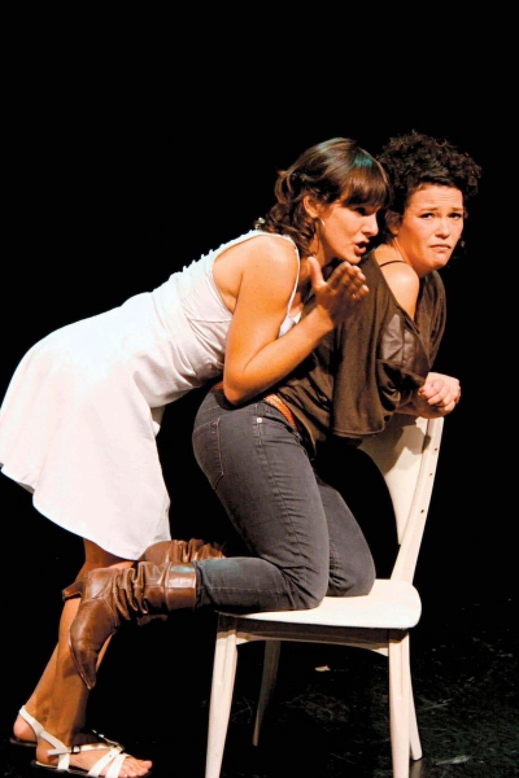 La pièce est produite par la troupe Les Biches Pensives, qui signe son troisième spectacle, et défendue par deux de ses fondatrices, Dominique Leclerc et Annie Darisse.<br />