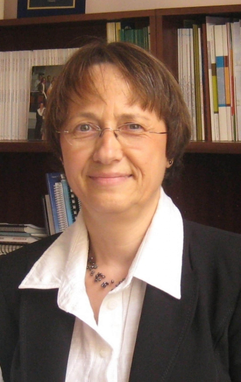 Christine Colin, professeure titulaire de santé publique à l'Université de Montréal et directrice du Centre de promotion de la santé du CHU Sainte-Justine<br />