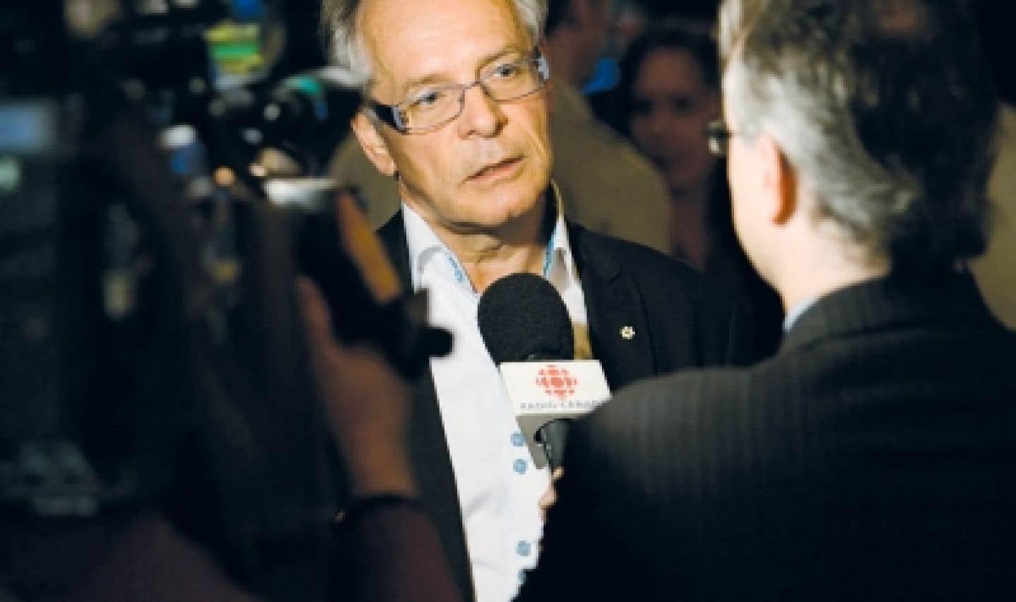Simon Brault est le directeur général de l'École nationale de théâtre du Canada et le vice-président du Conseil des arts du Canada, mais également président de Culture Montréal depuis sa fondation.