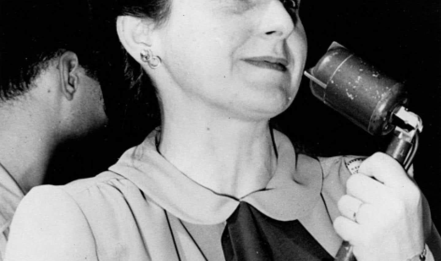 Madeleine Parent a milité ardemment dans des groupes de gauche et des groupes féministes.