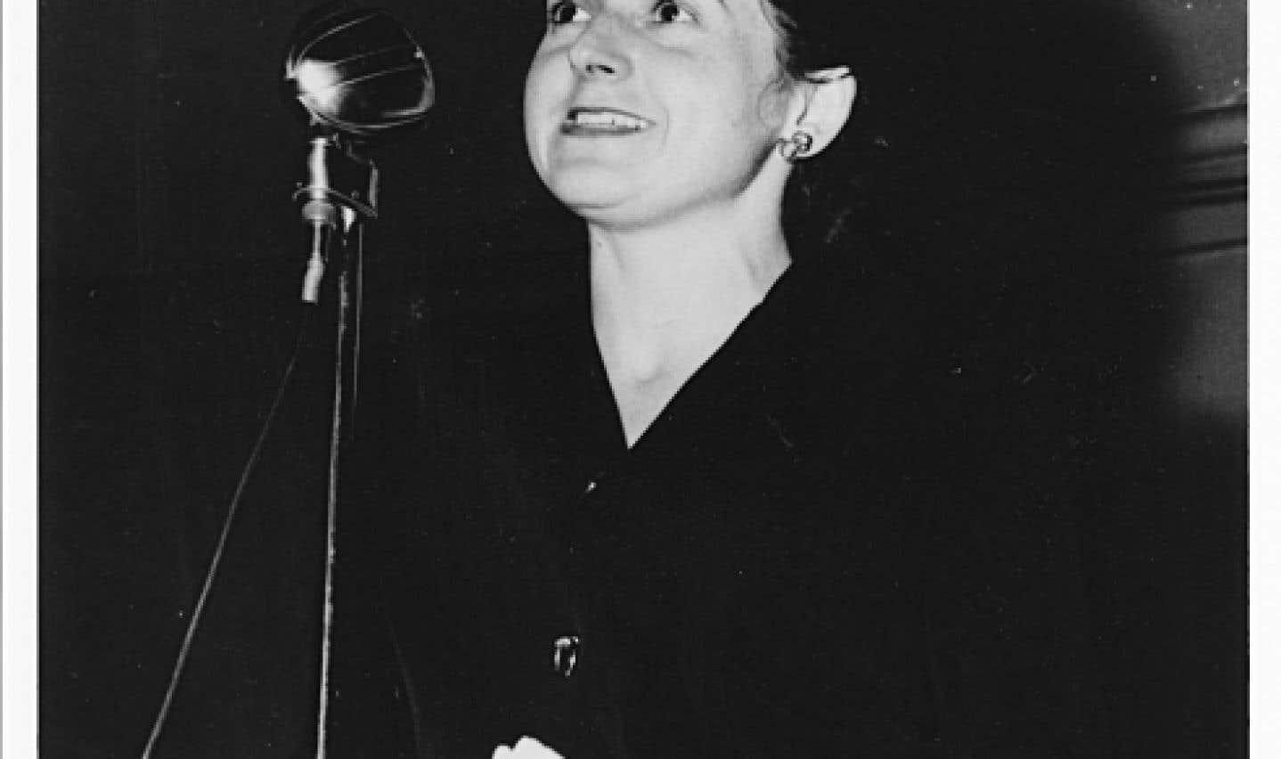 Madeleine Parent a été de tous les combats politiques pour faire reconnaître le droit des femmes au travail et à un salaire égal à celui des hommes.
