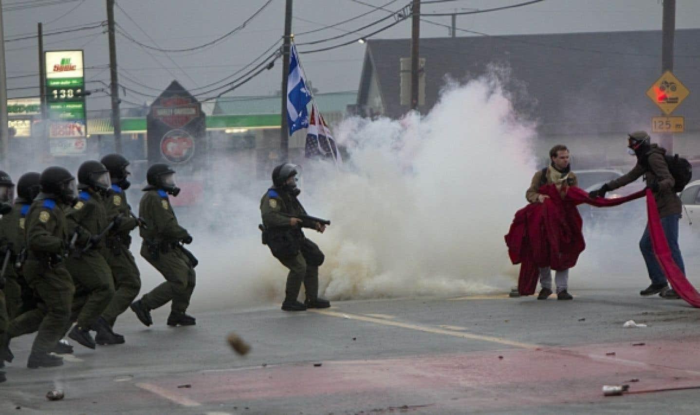 Manifestation à Victoriaville: 10 blessés, dont un entre la vie et la mort