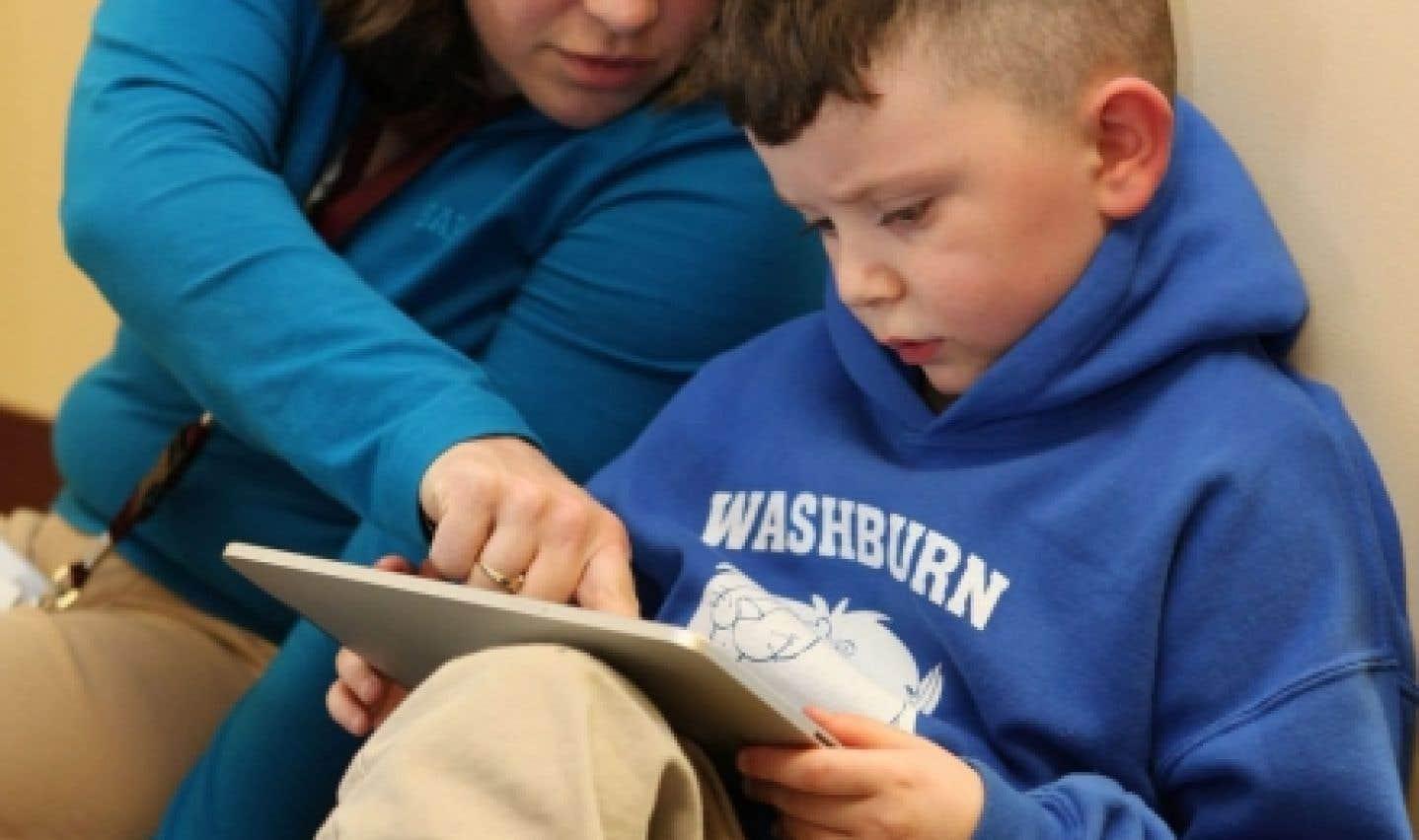 Une démarche d'alphabétisation familiale peut améliorer les relations parents-enfants.